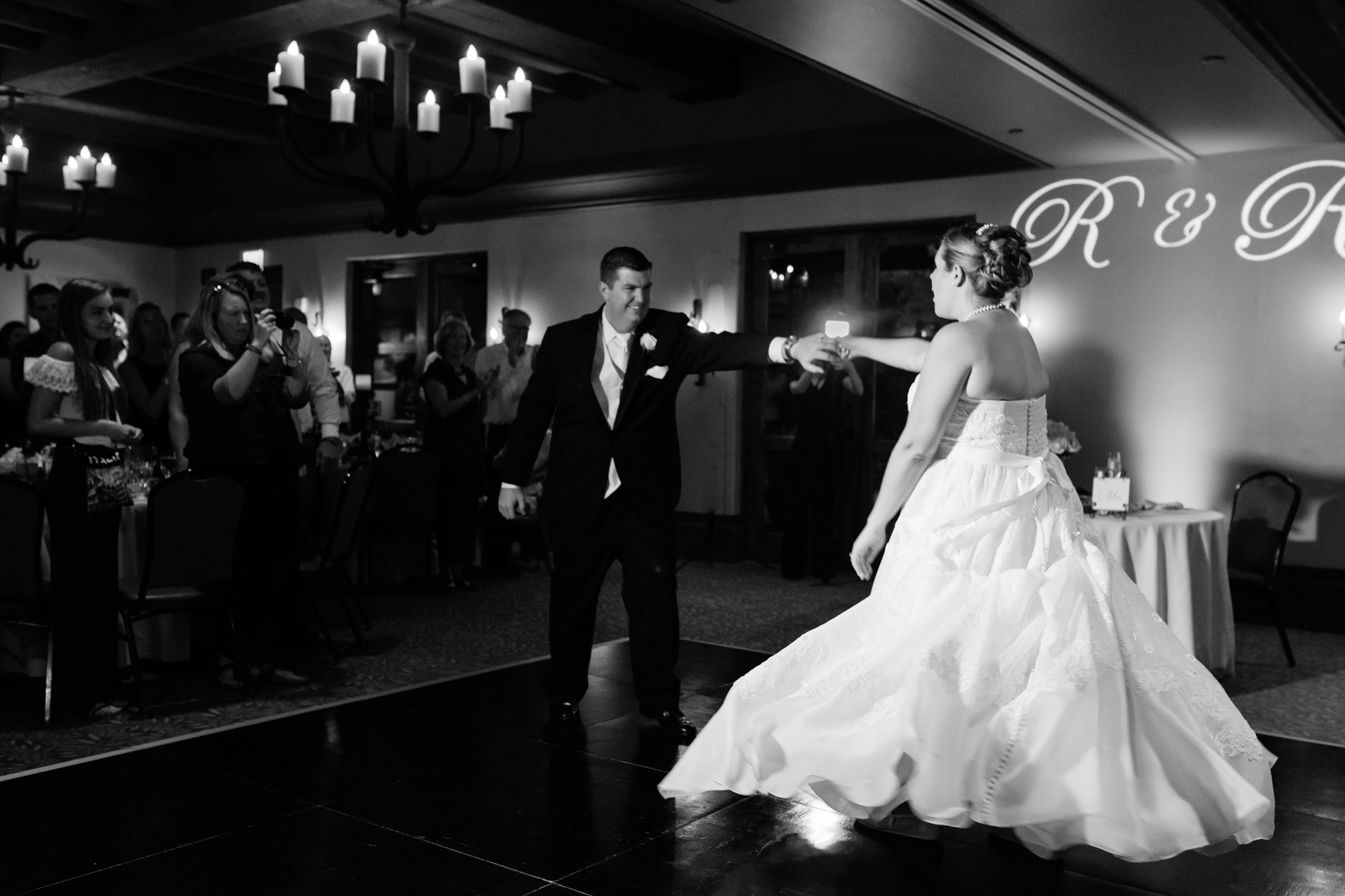 bride & groom first dance at Sassi Wedding venue Scottsdale Arizona by Alyssa Campbell Photography