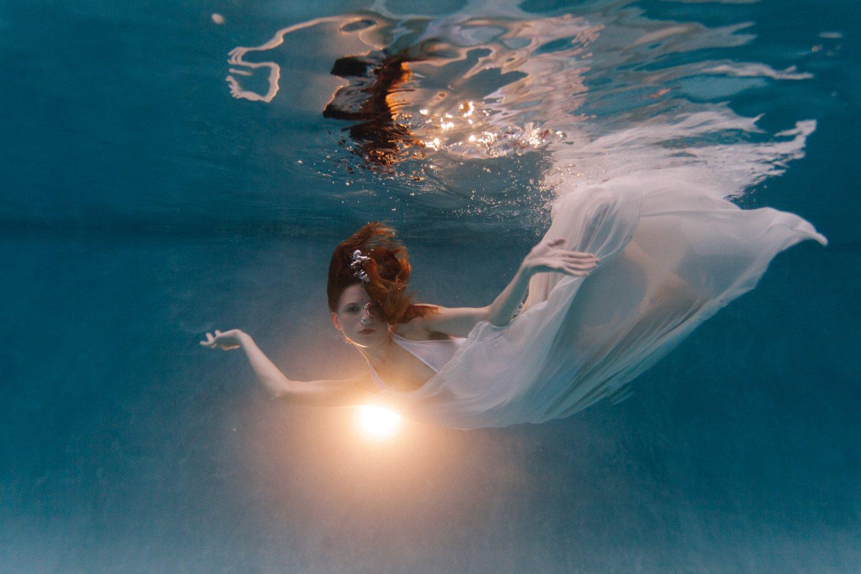 Phoenix underwater fashin photos