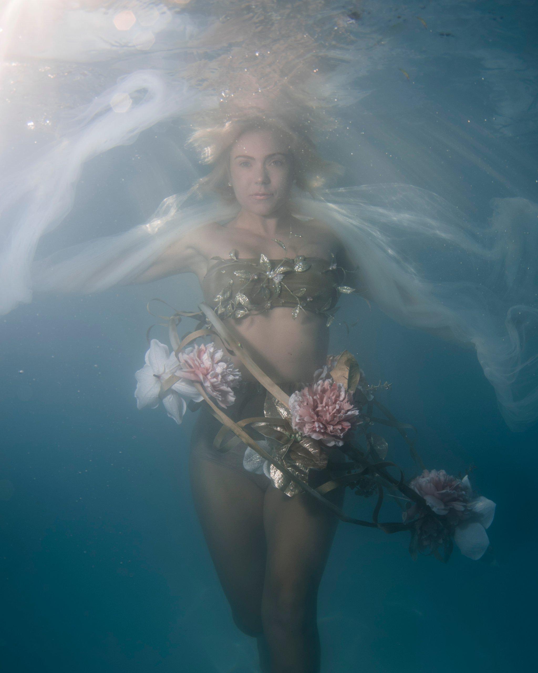 Arizona underwater fashion photographer underwater ballerina