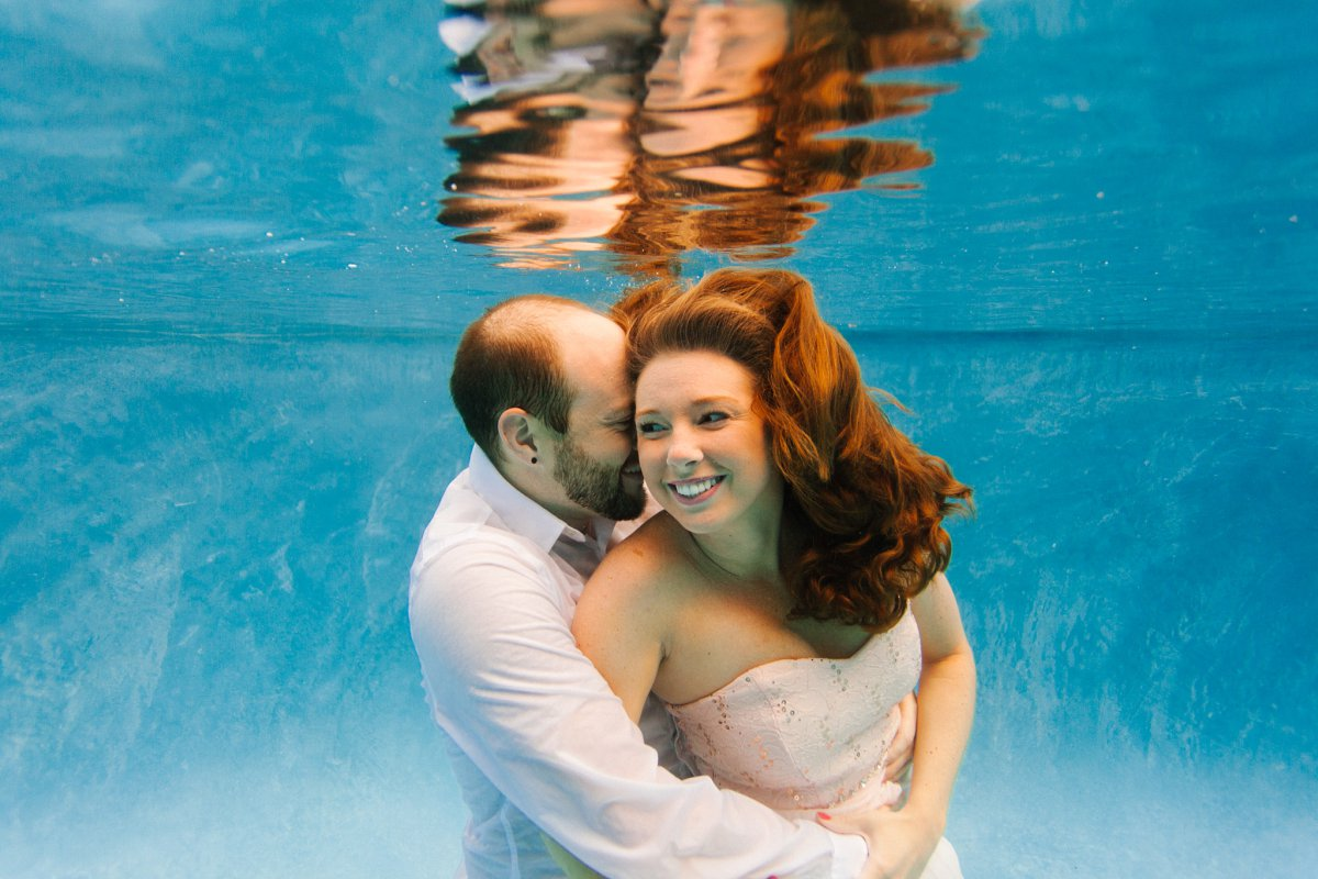 underwater trash the dress in a pool Phoenix AZ