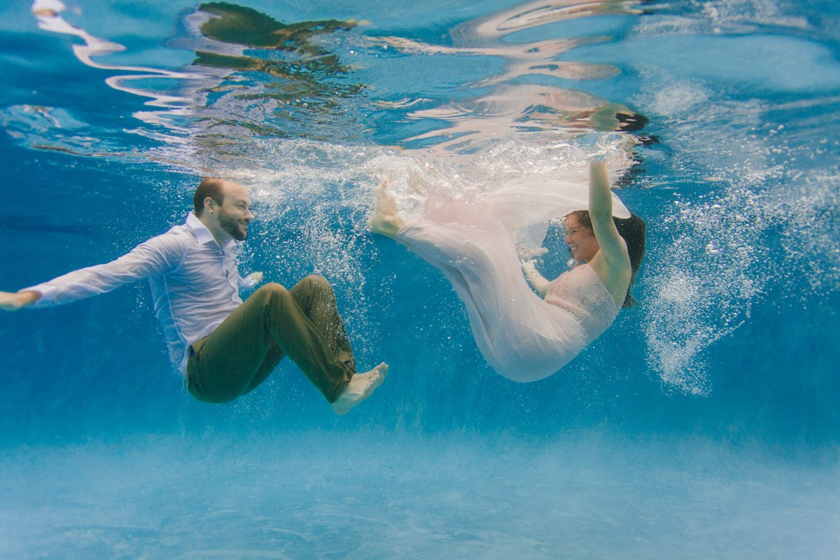 underwater engagement photos Phoenix