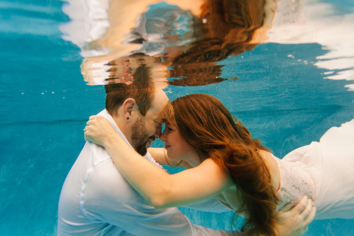 trash the dress underwater engagement photos Arizona
