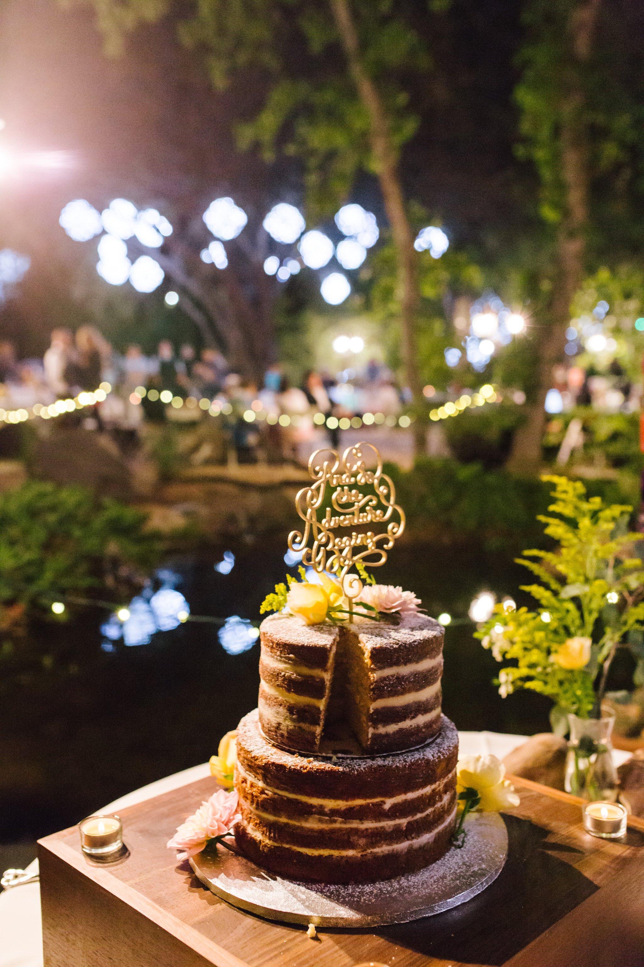naked cake at Phoenix Zoo wedding reception