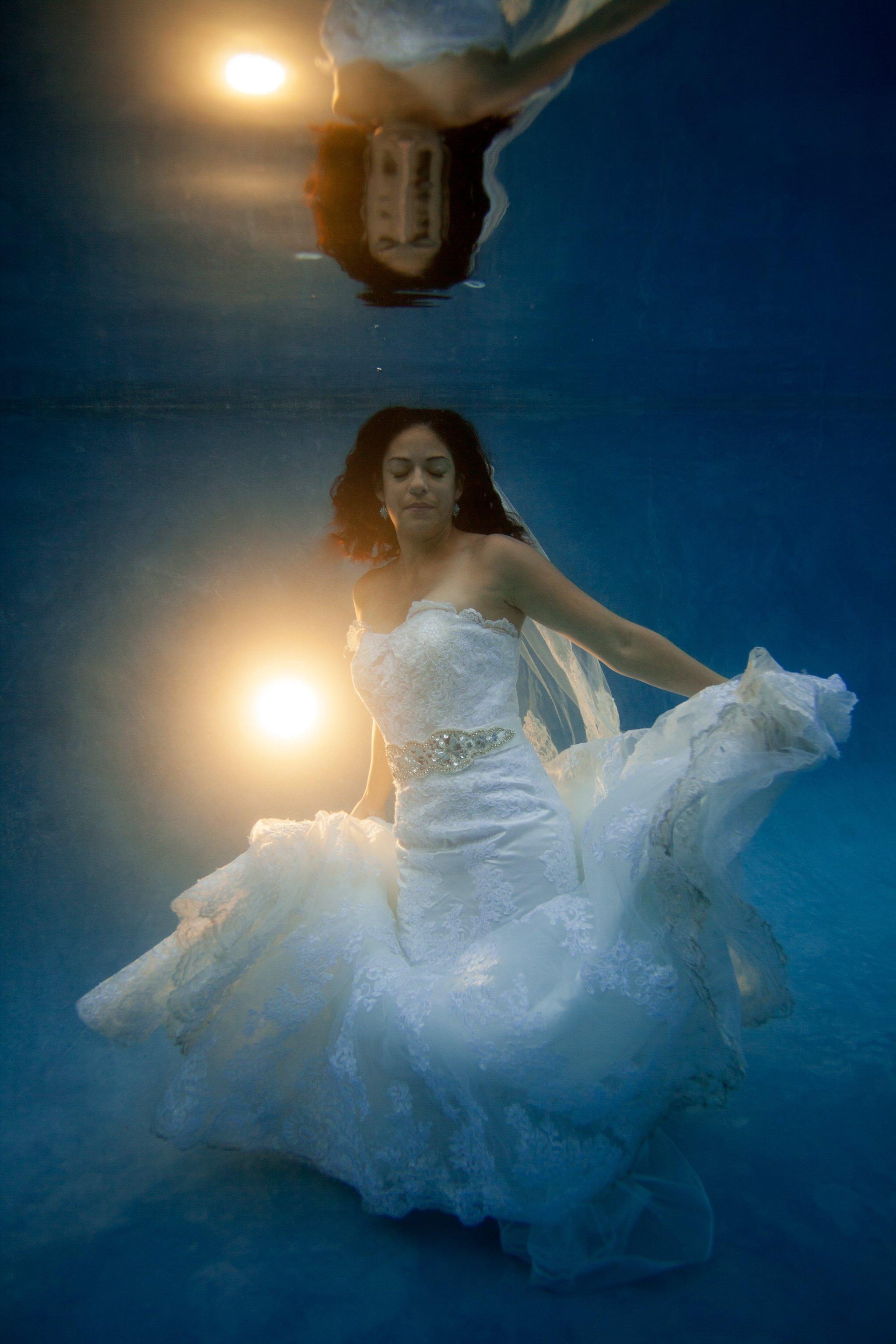 Phoenix underwater trash the dress photographer