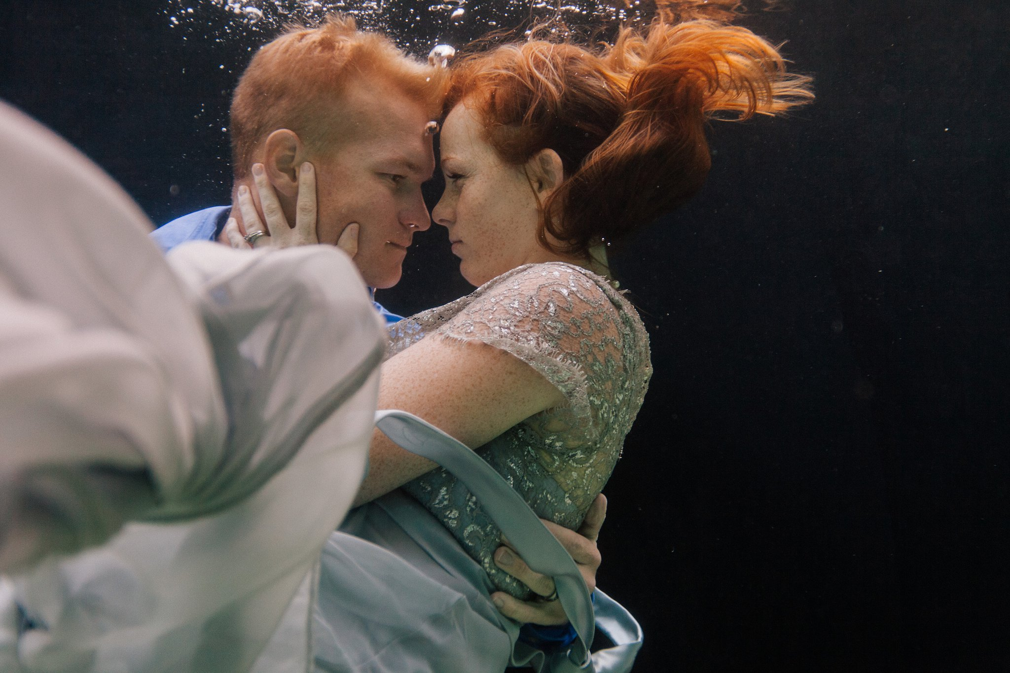 underwater couples' engagement session in Arizona