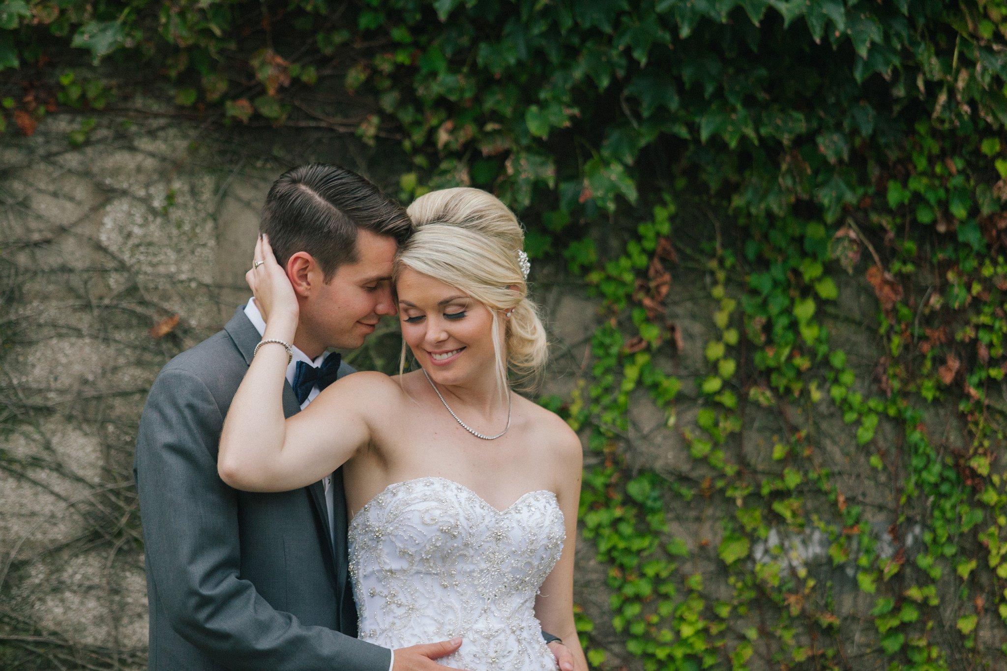 bride & groom at Rivercenter Davenport wedding