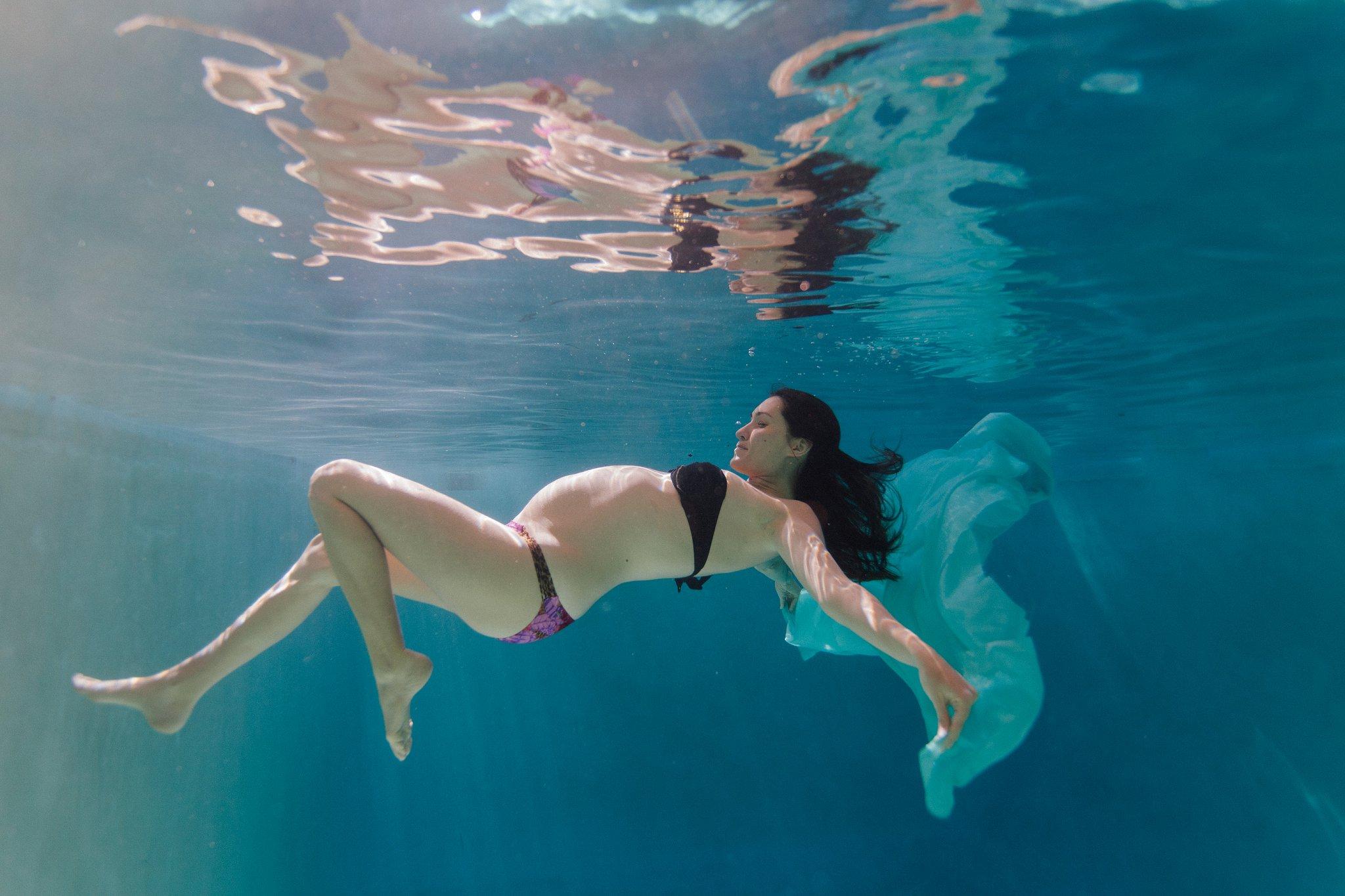 unique underwater pregnancy photos in Arizona