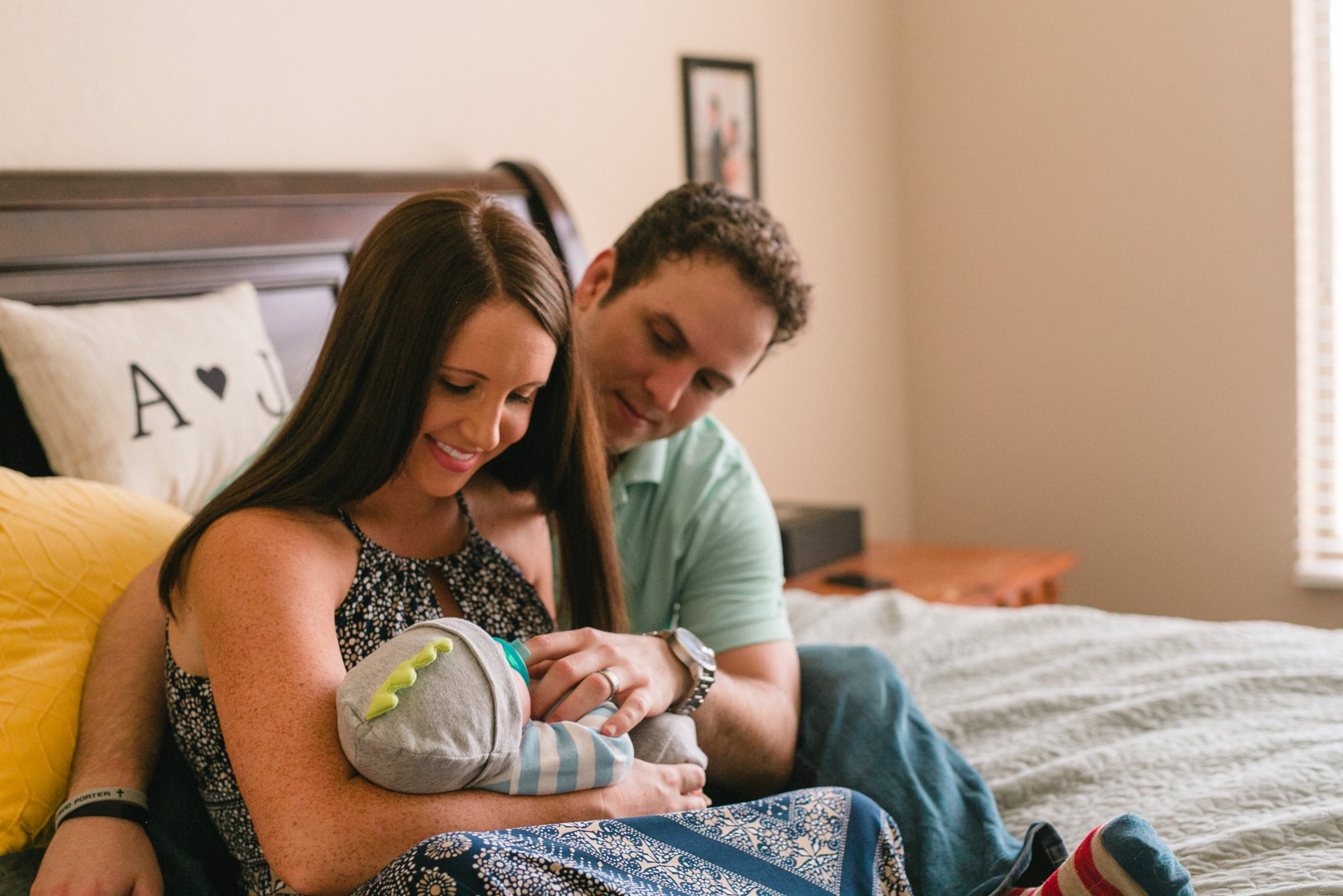 in home Phoenix lifestyle one month old newborn photos