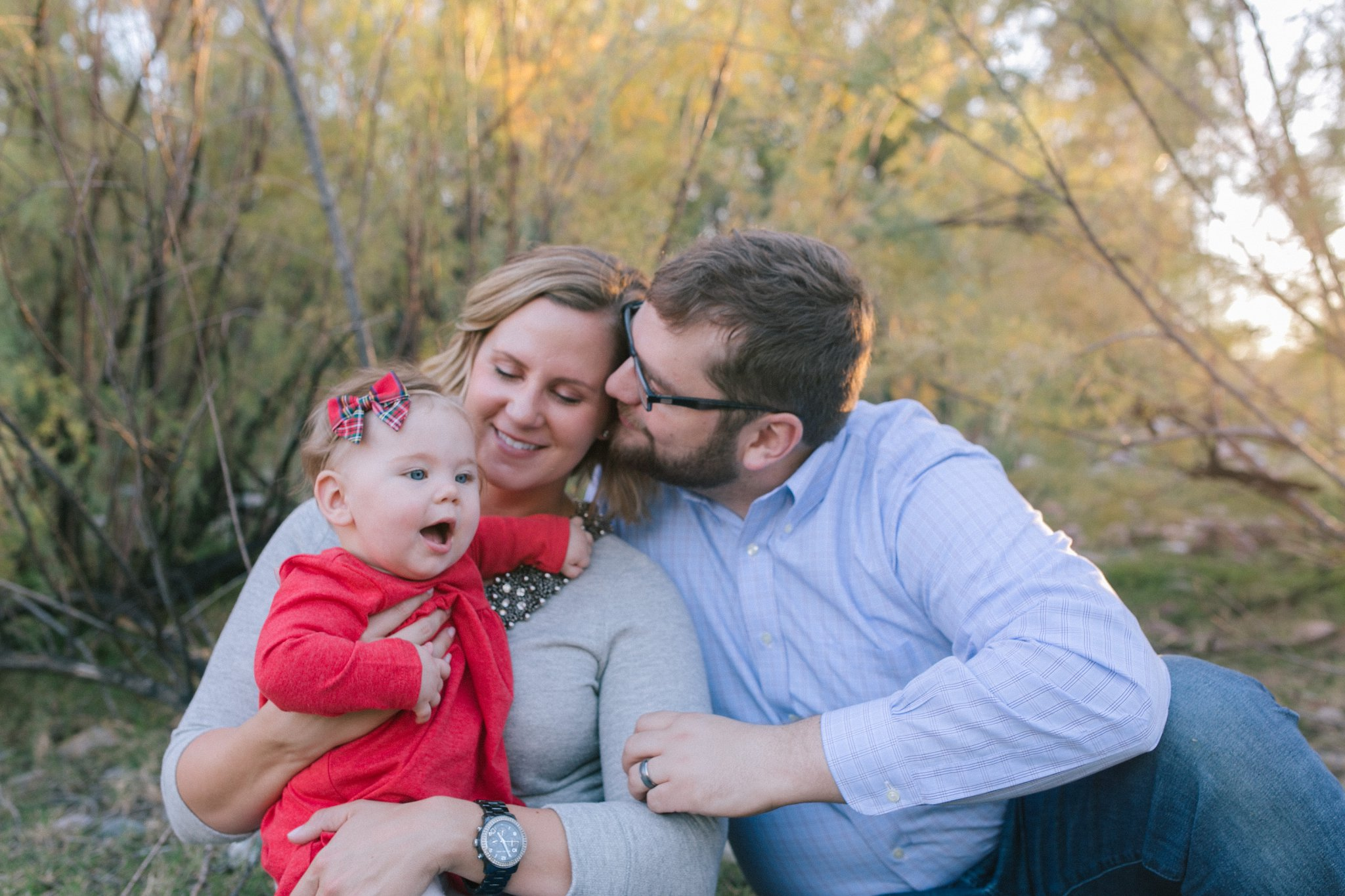 natural genuine documentary family portraits at Arizona Salt River