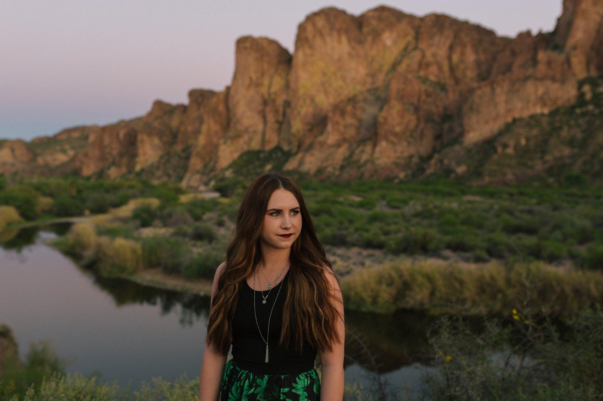 arizona outdoor mountain river senior portraits at sunset along Salt River
