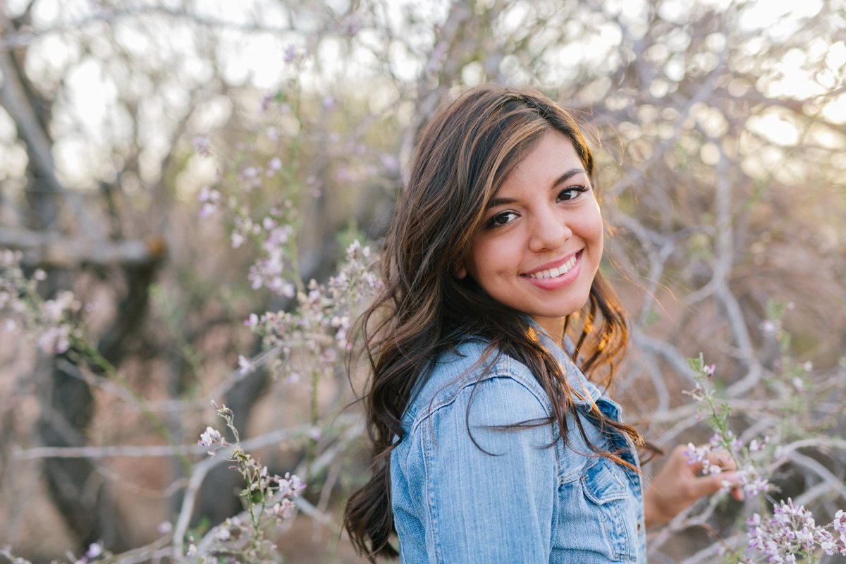 phoenix outdoor high school senior photos at Papago Park