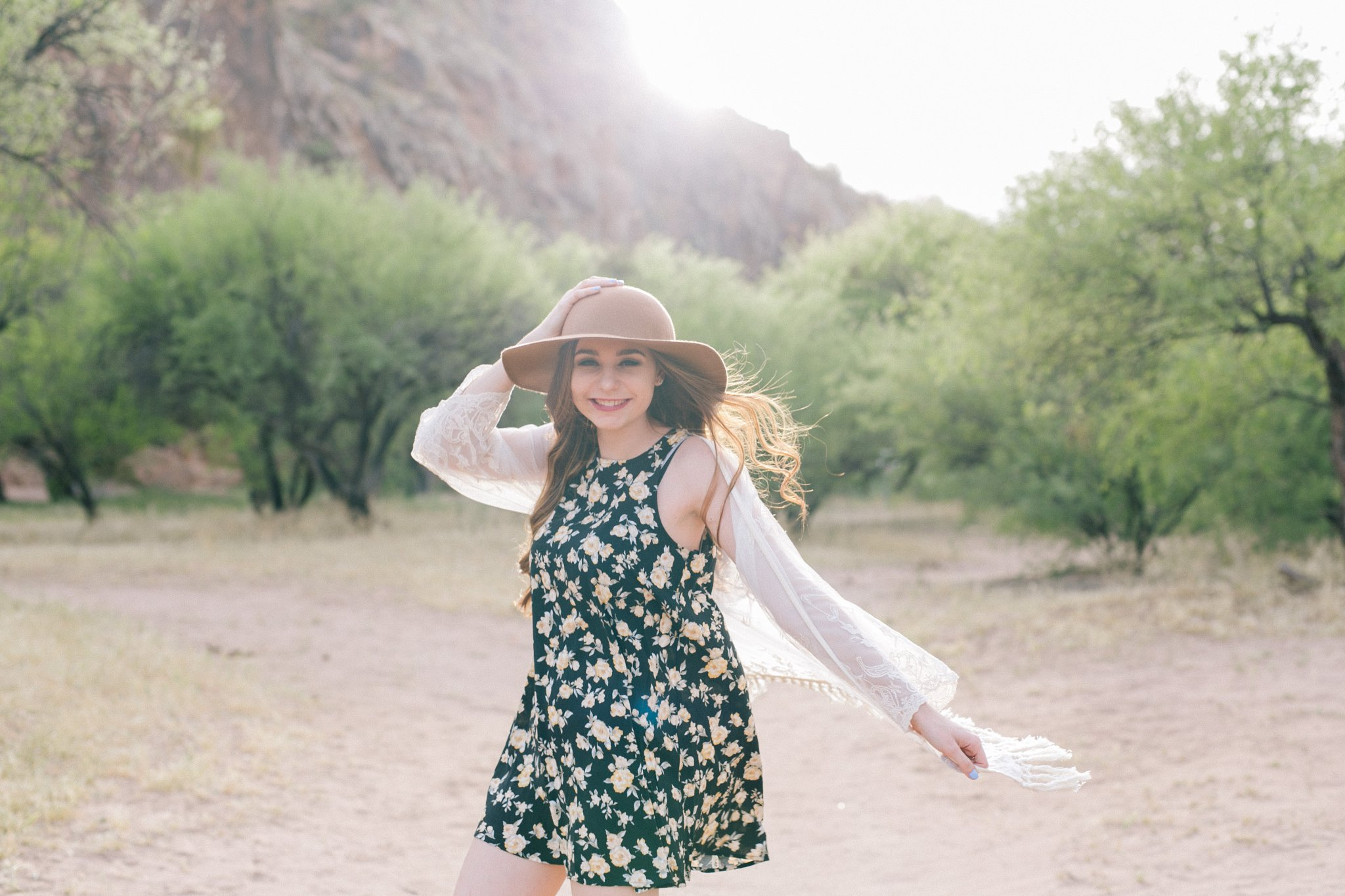 outdoor nature senior photos in Arizona