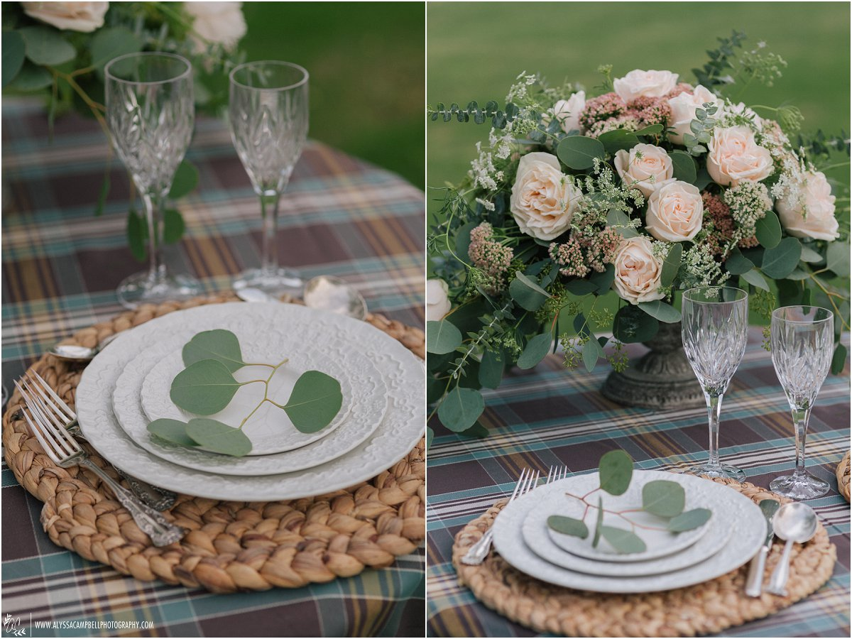 plaid table linens with raffia charger at Saguaro Lake Ranch wedding by Saguaro Lake Ranch wedding photographer Alyssa Campbell