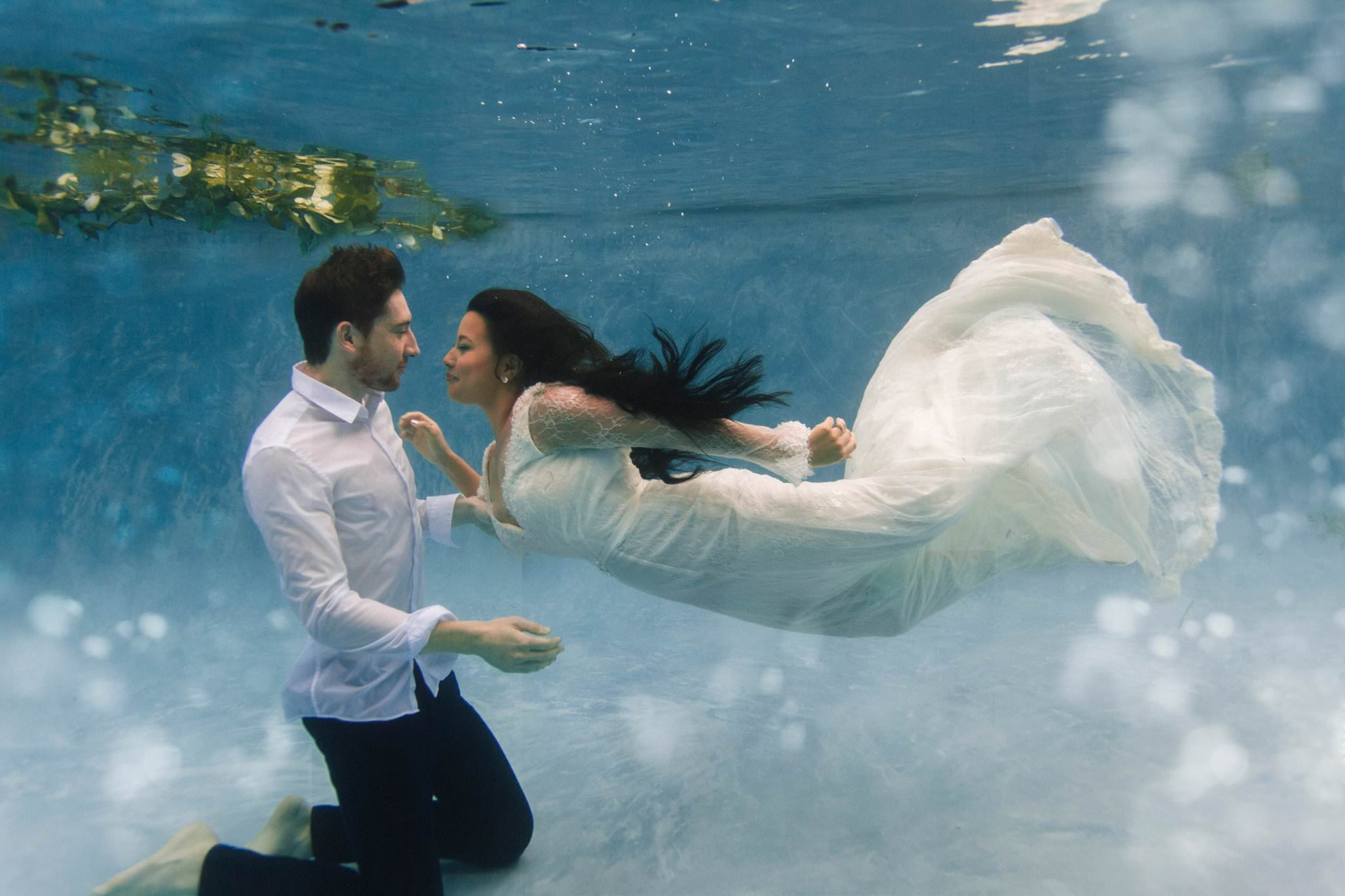 Arizona unique underwater wedding photography in a pool