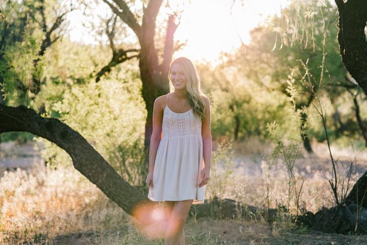 outdoor natural high school senior photographer Mesa, AZ