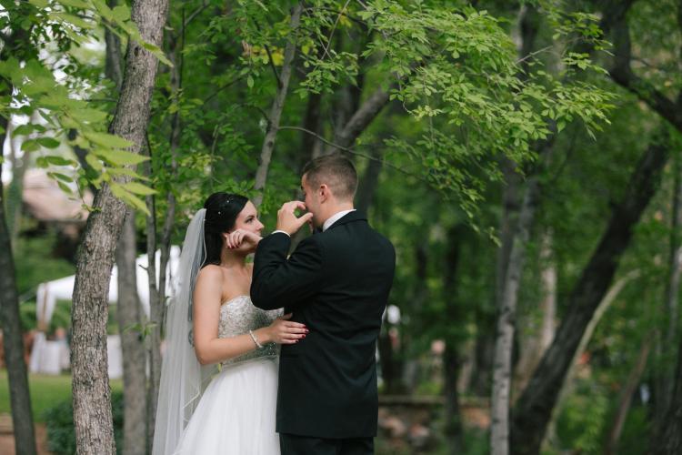 Sedona wedding bride & groom first look at L'Auberge Resort