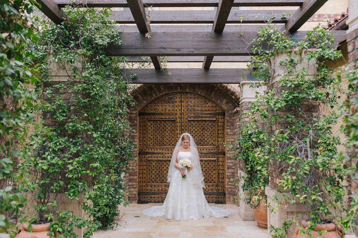 bridal portraits at Sassi Tuscan outdoor wedding venue Scottsdale