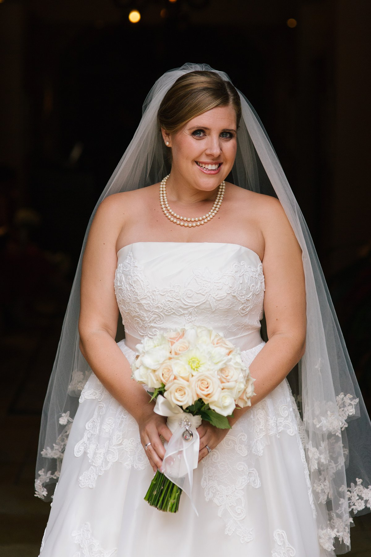bride portrait red & white classy timeless wedding at Sassi