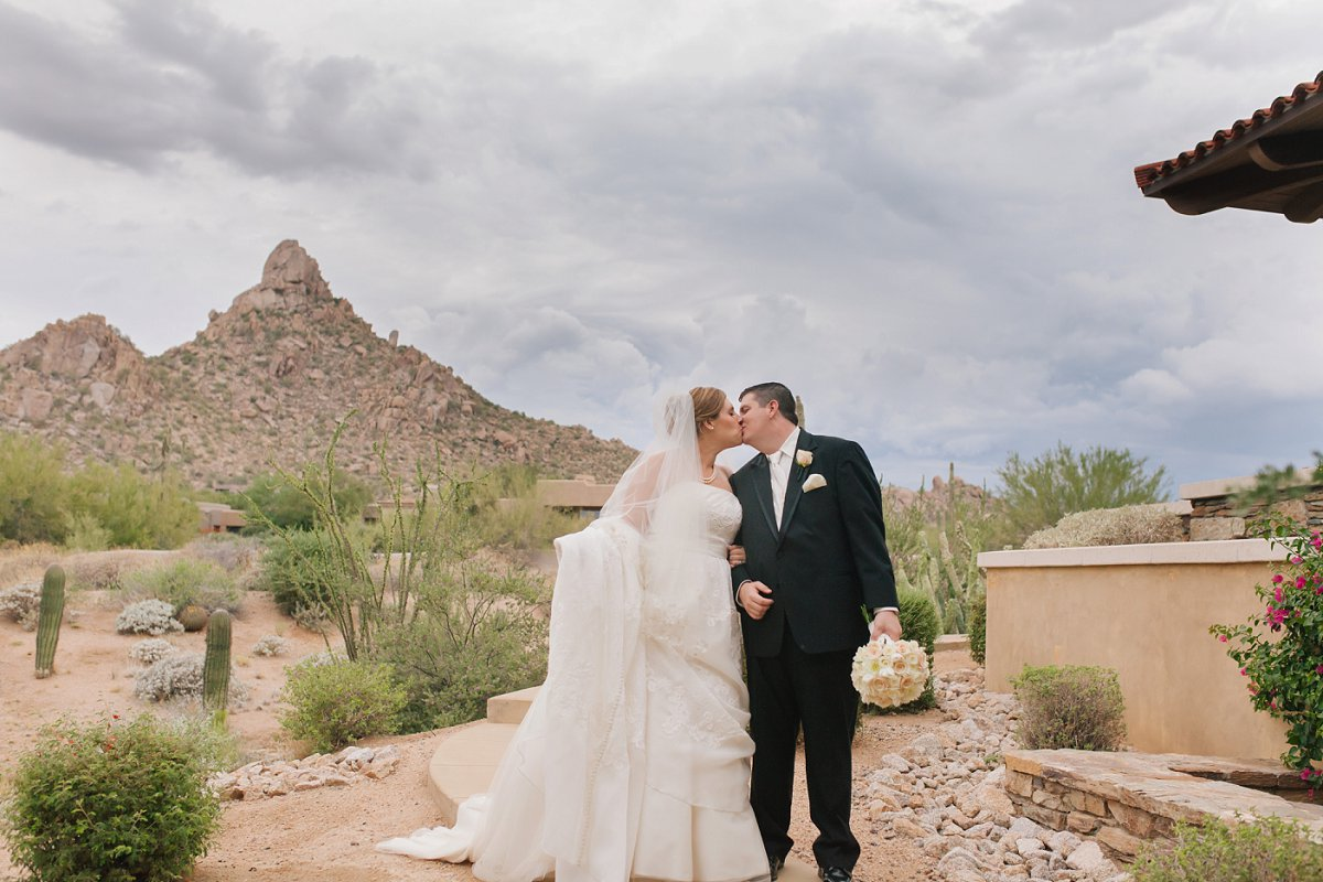 rainy desert wedding at Sassi