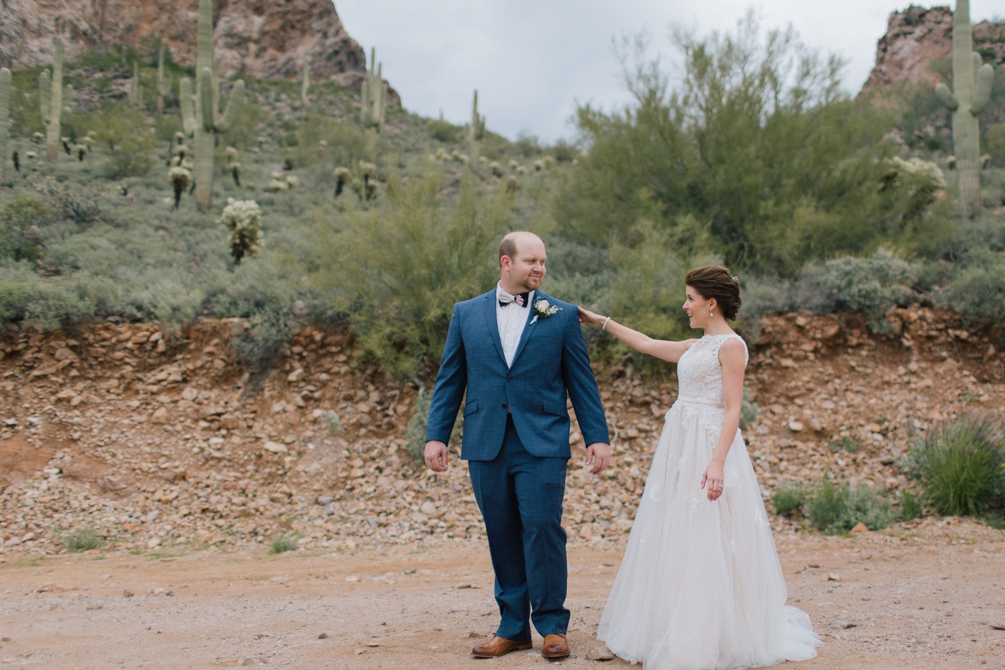 desert first look at gold canyon golf resort & spa wedding photos