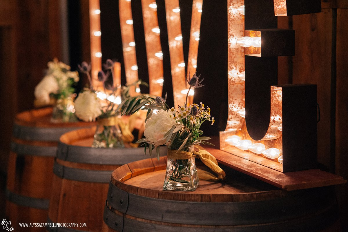 florals at Windmill Winery barn Love sign