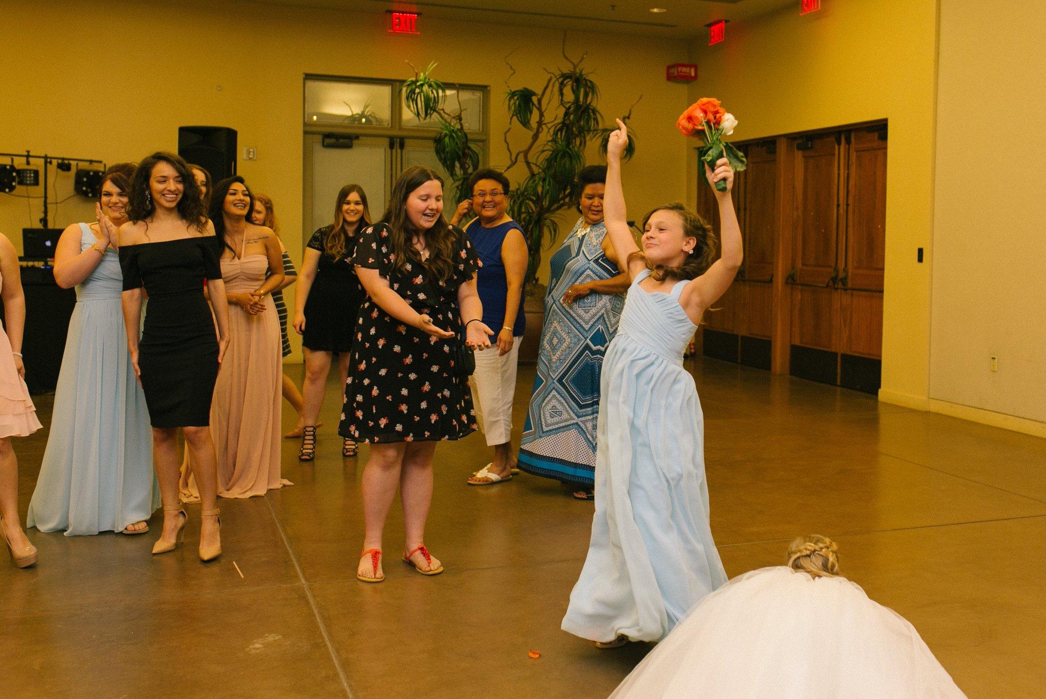 Desert Botanical Gardens reception bouquet toss