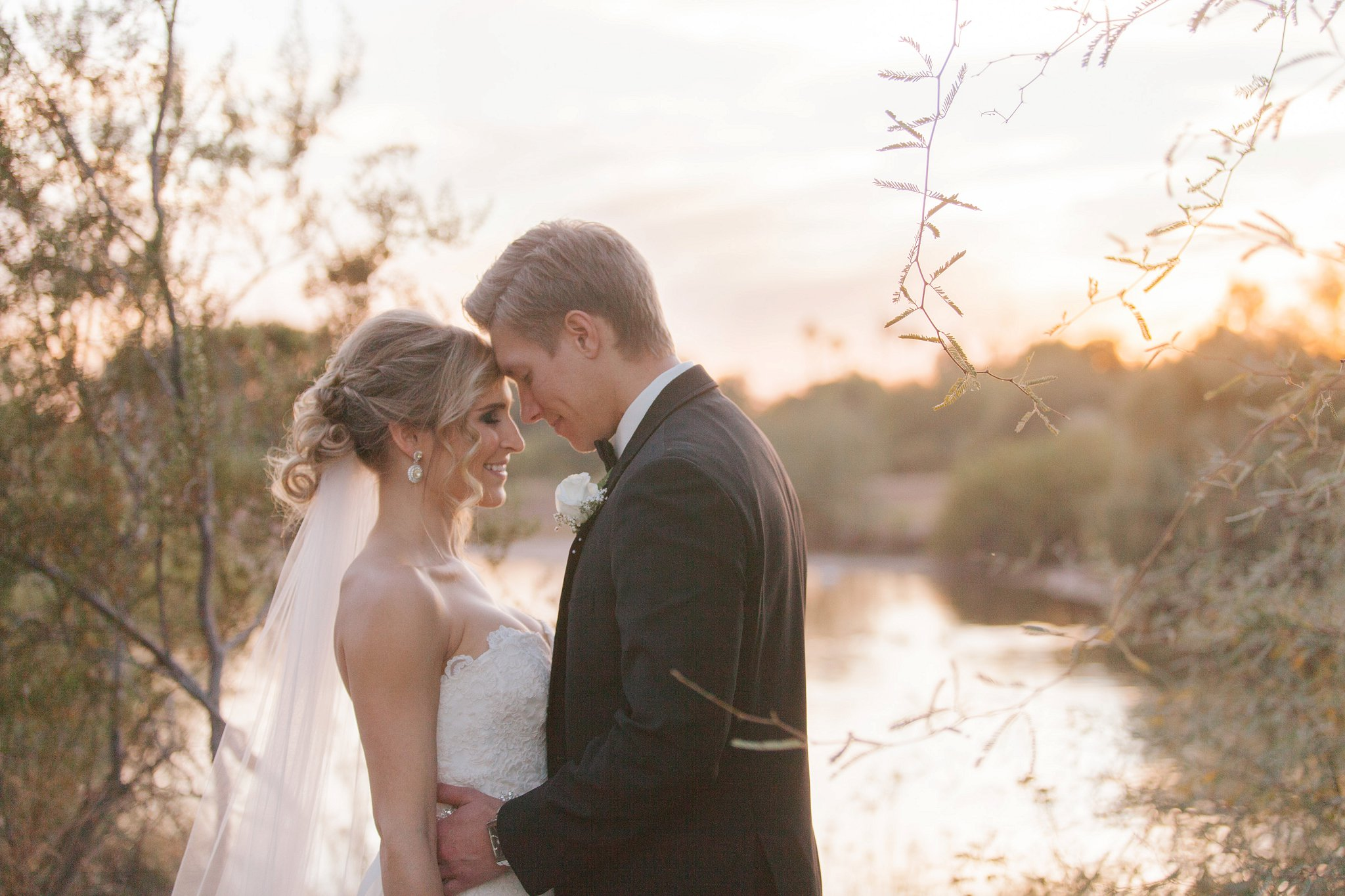 documentary natural wedding photography in Mesa