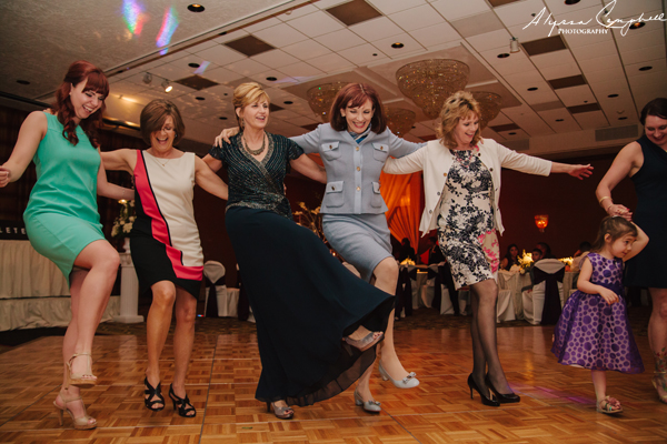 wedding guests dancing can can at Scottsdale Resort & Conference Center