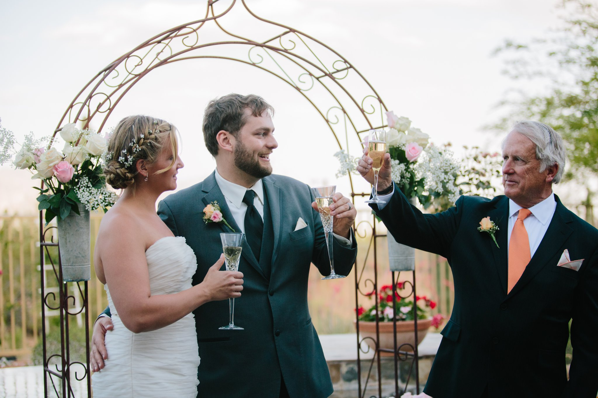 wedding toasts by father of the bride in Arizona backyard