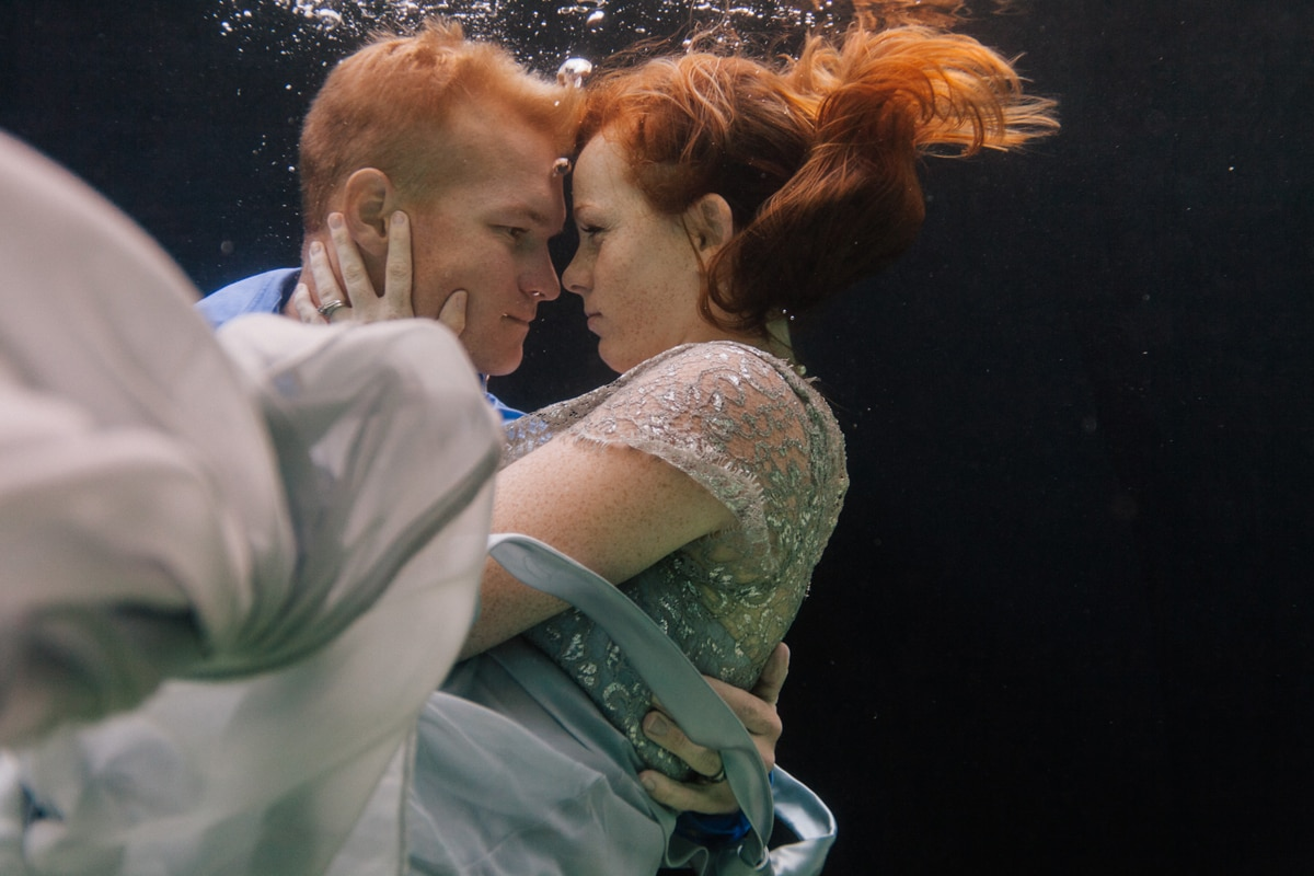 arizona-underwater-engagement-photographer