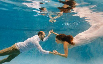 Arizona Underwater Engagement Photos | Kaitlin & Michael