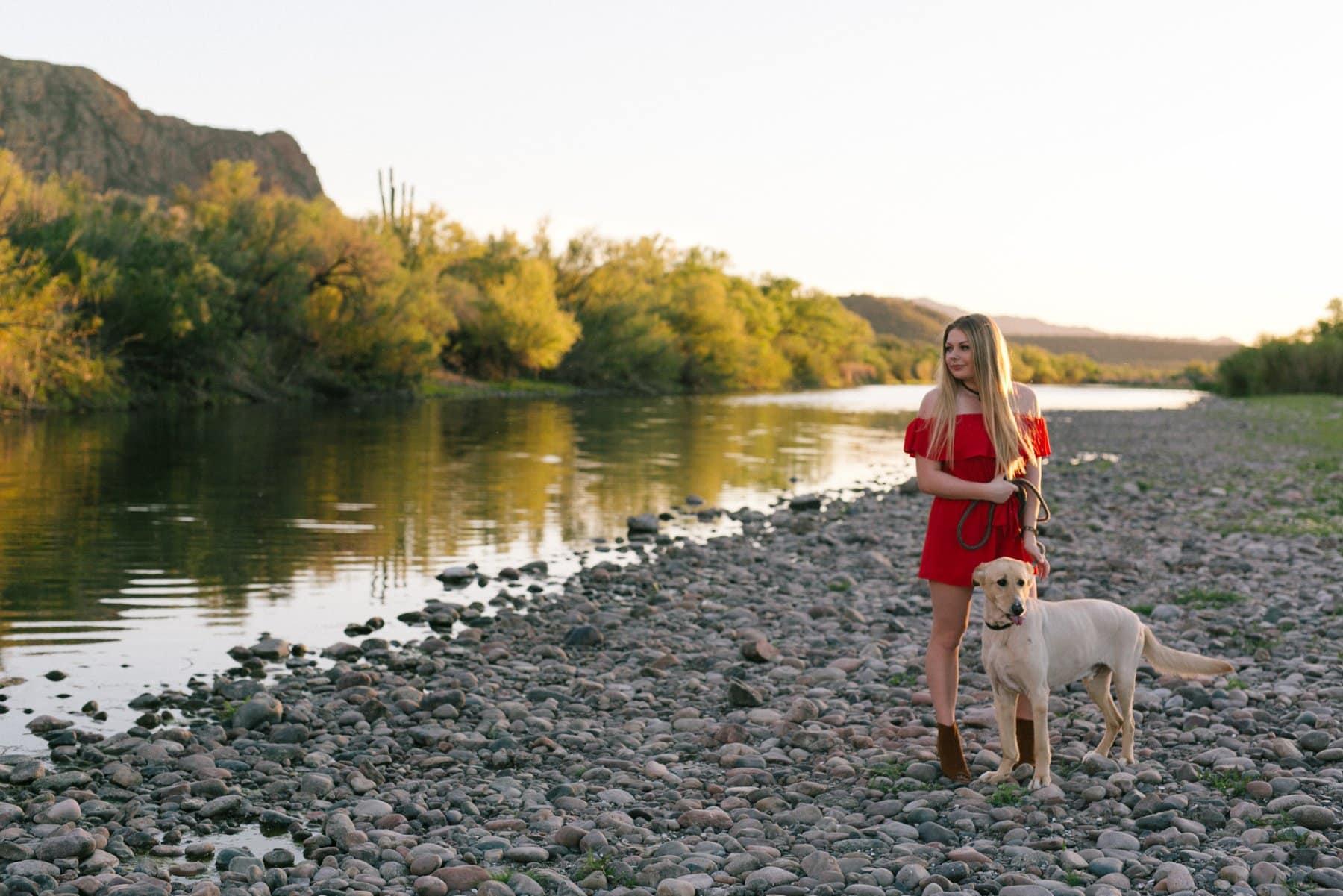 outdoor Arizona high school senior portraits with dog