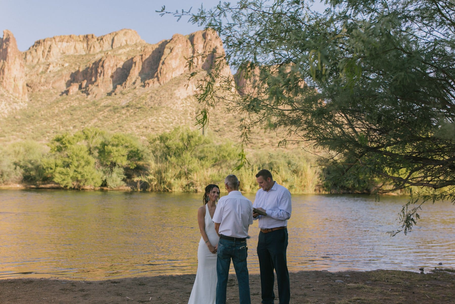 Arizona outdoor elopement at Salt River