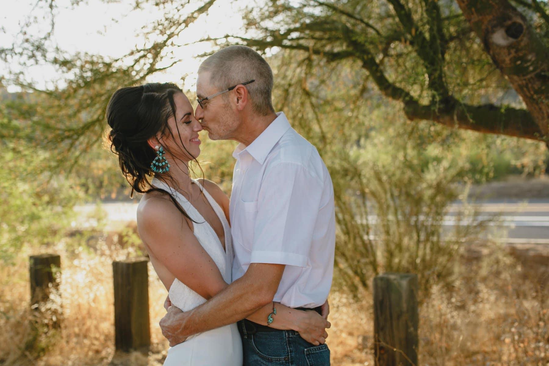 Phoenix outdoor elopement photographer Salt River