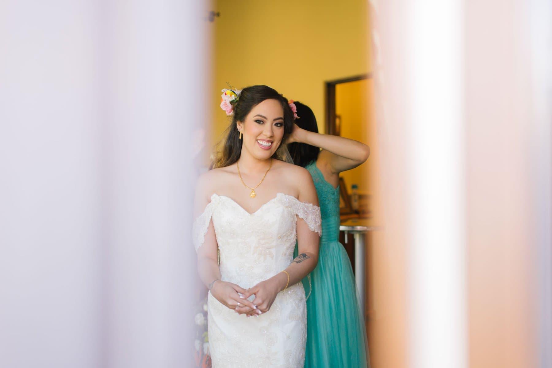 bride getting ready Phoenix photojournalistic wedding photographer