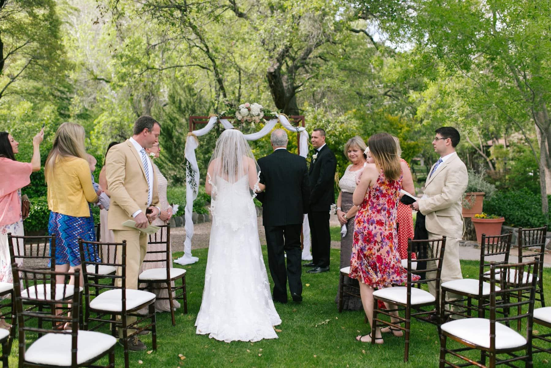 Briar Patch Inn small wedding ceremony