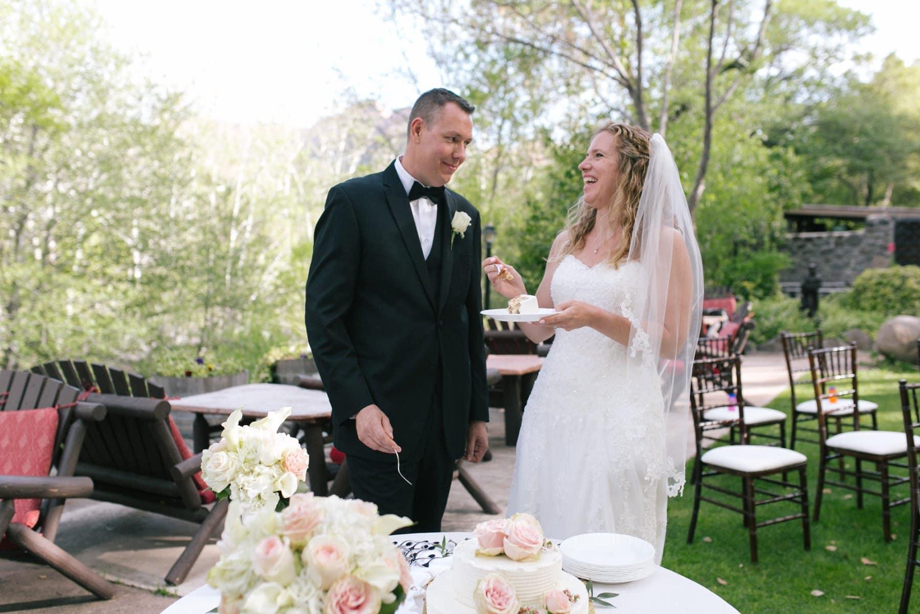 Briar Patch Inn bride & groom cake cutting Sedona