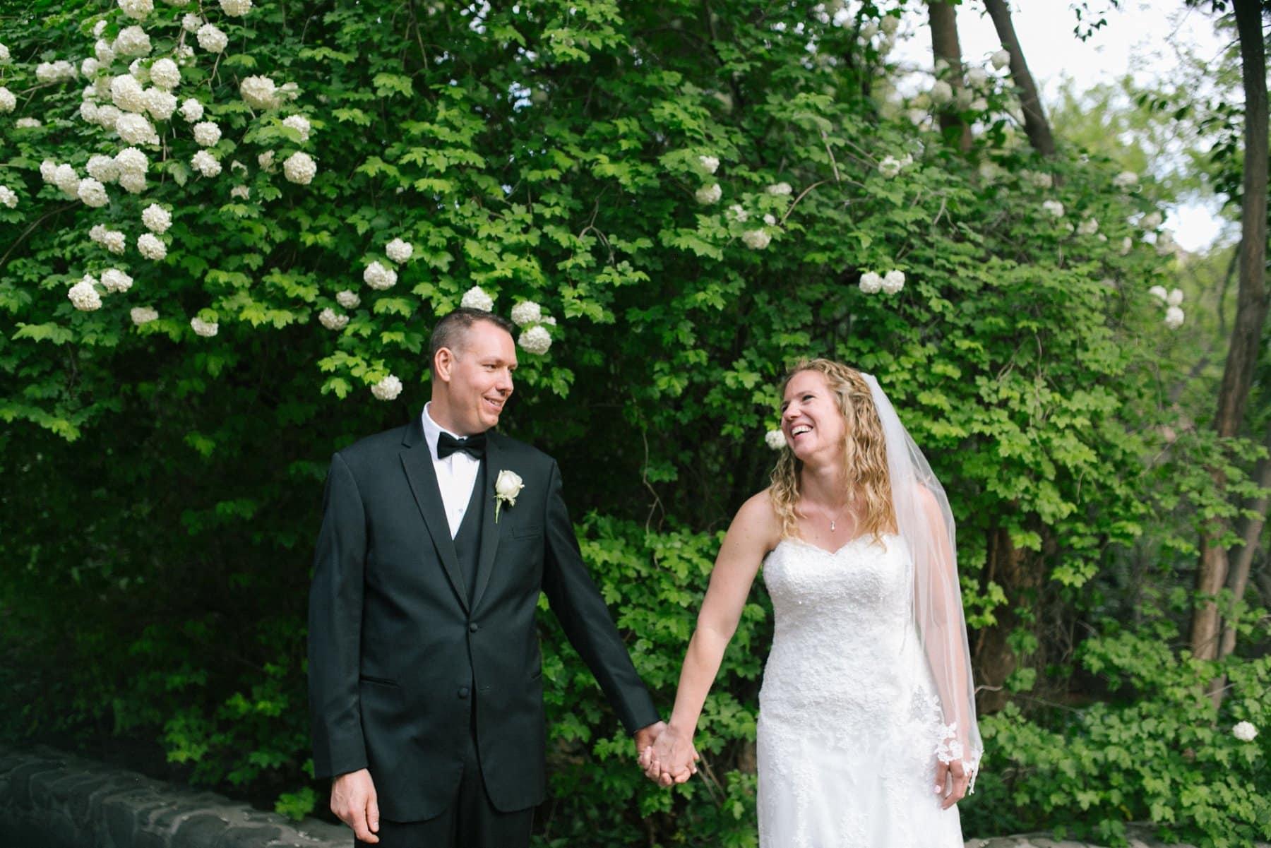 Briar Patch Inn wedding bride & groom