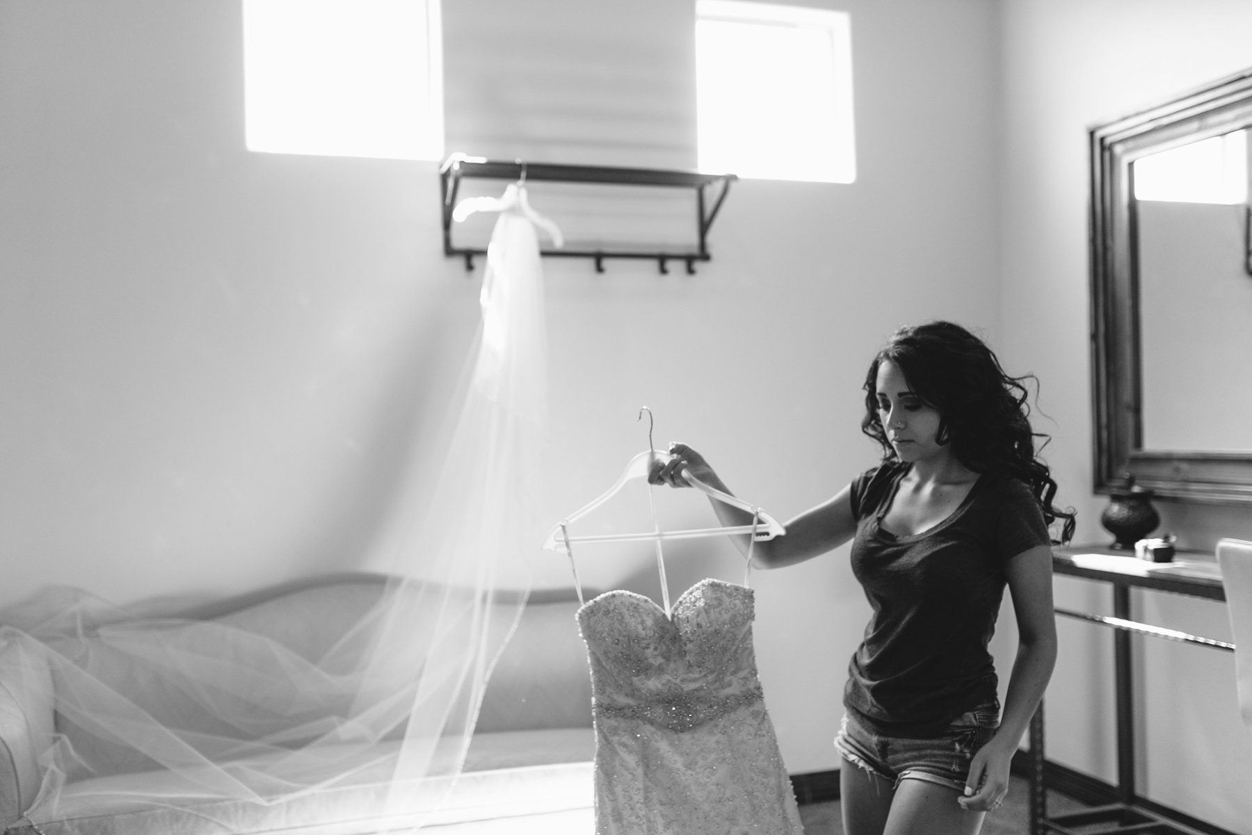 bride getting ready at Mesa AZ wedding venue Superstition Manor