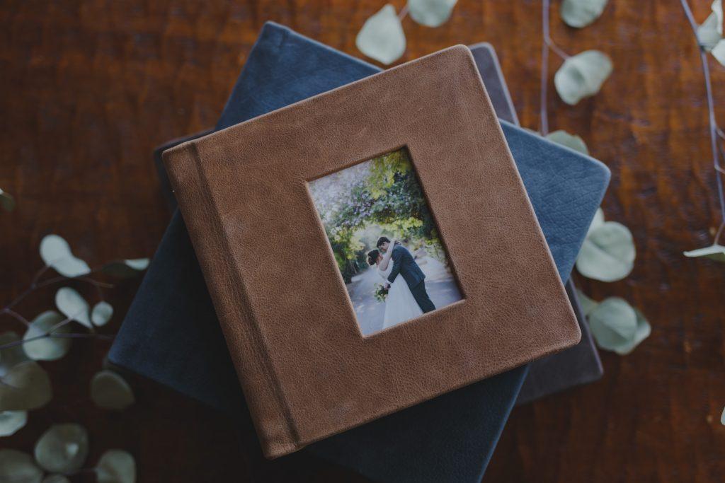 wedding album by Arizona wedding photgorapher Alyssa Campbell