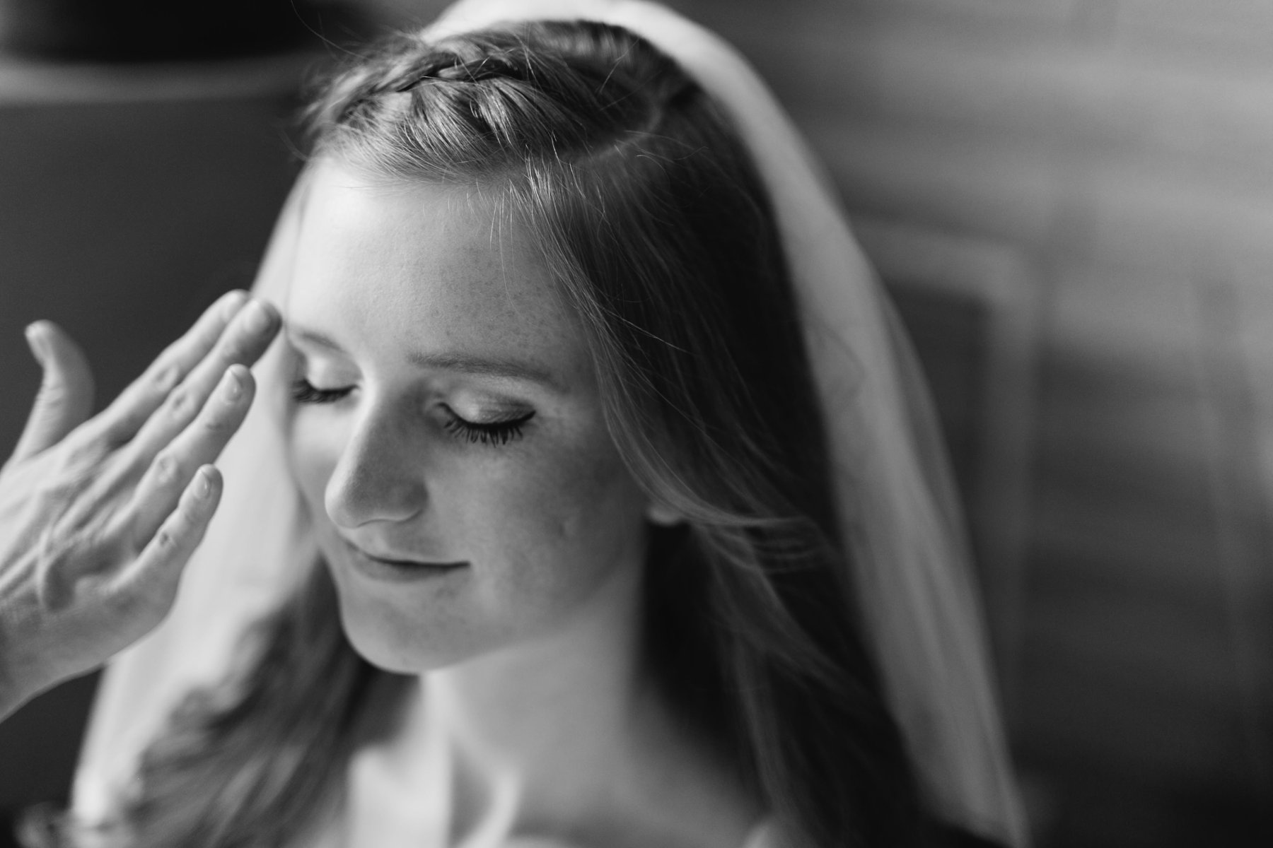 bride getting ready Tempe wedding photographer