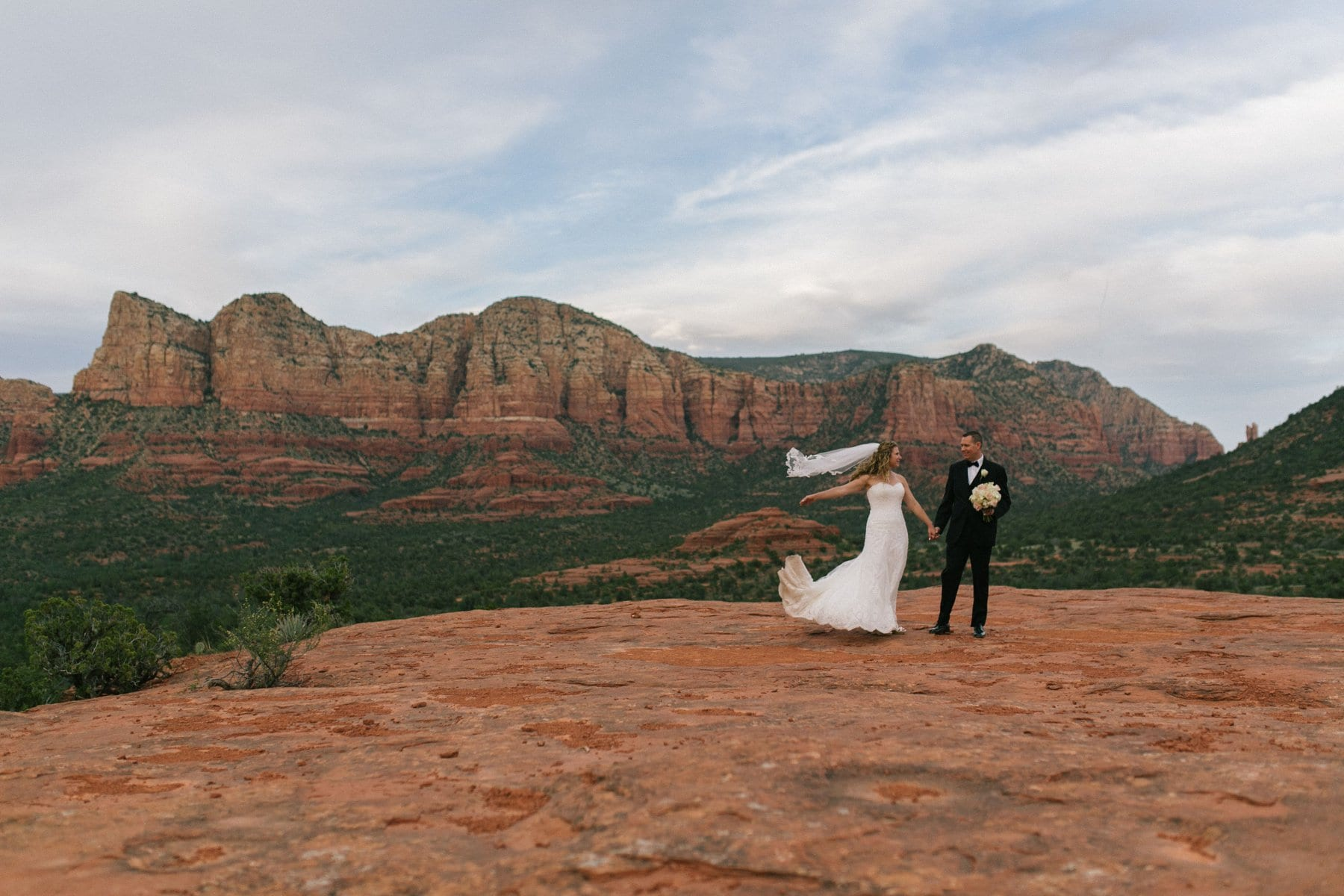 bride & groom at Yavapai Point Sedona
