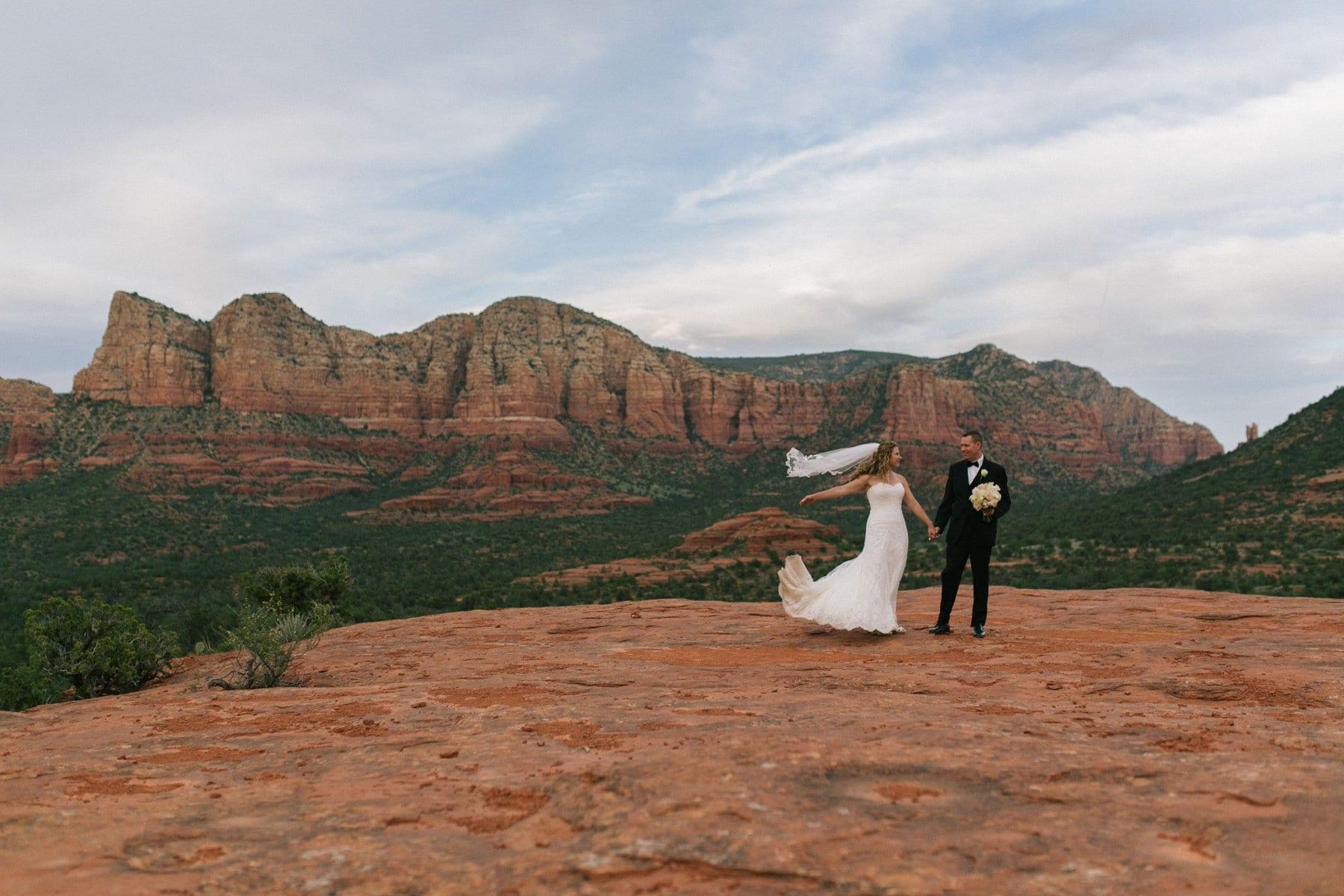 bride & groom at Yavapai Point Sedona
