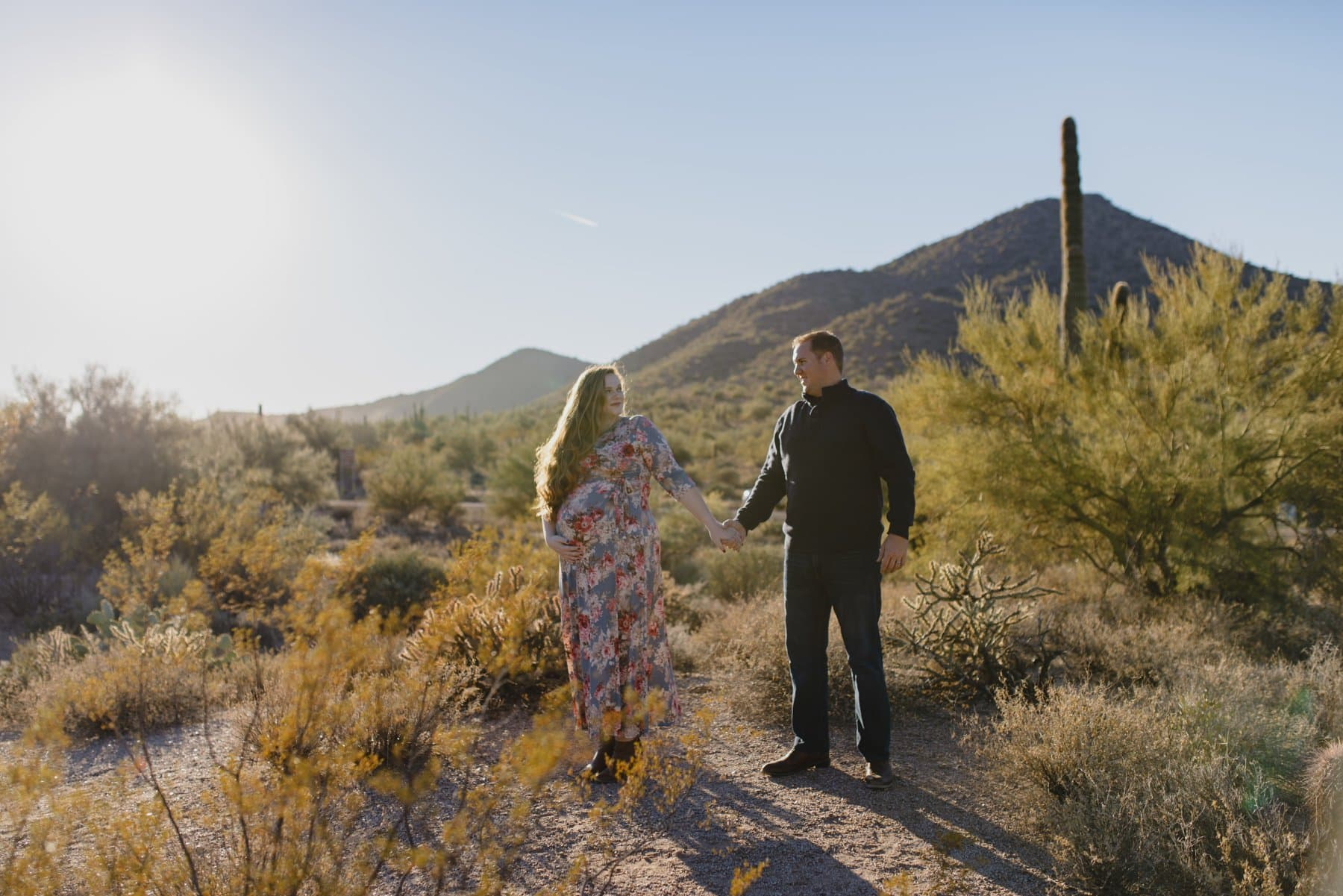 desert maternity photos in Arizona