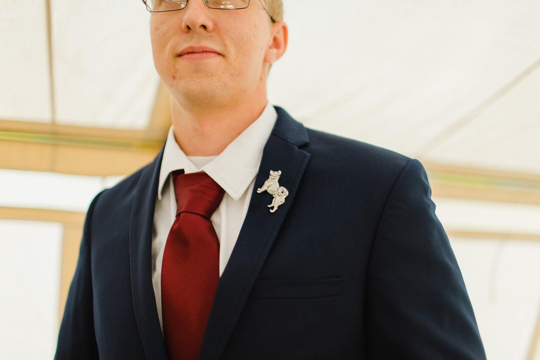 groomsmen boutonniere alternative animal lapel pins