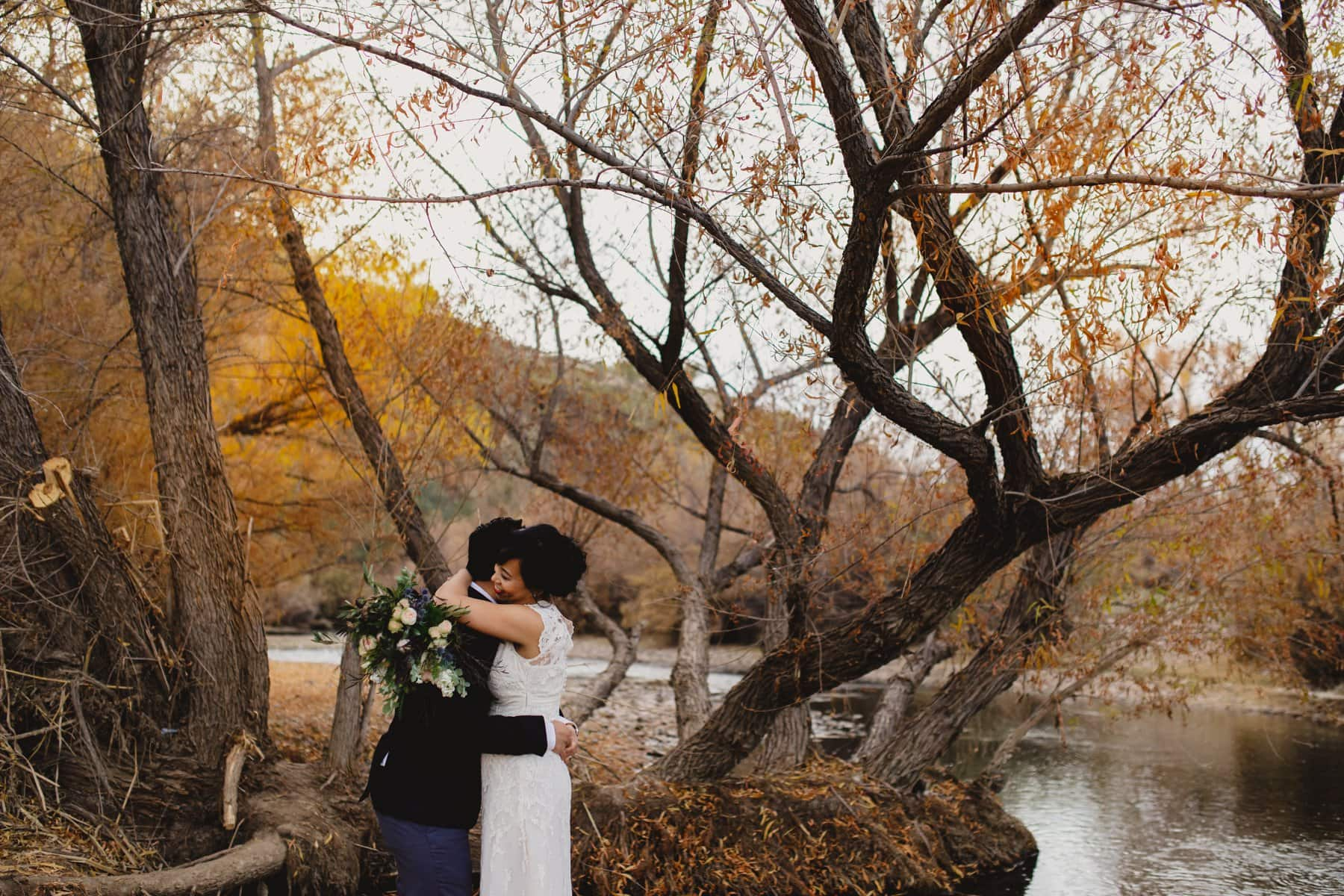 natural candid wedding photos in fall in Arizona