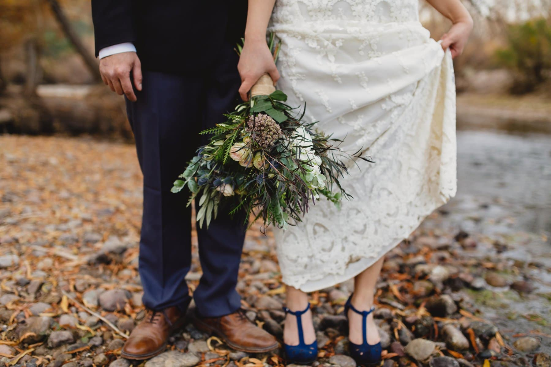 stylish bride & groom elopement photos in Arizona