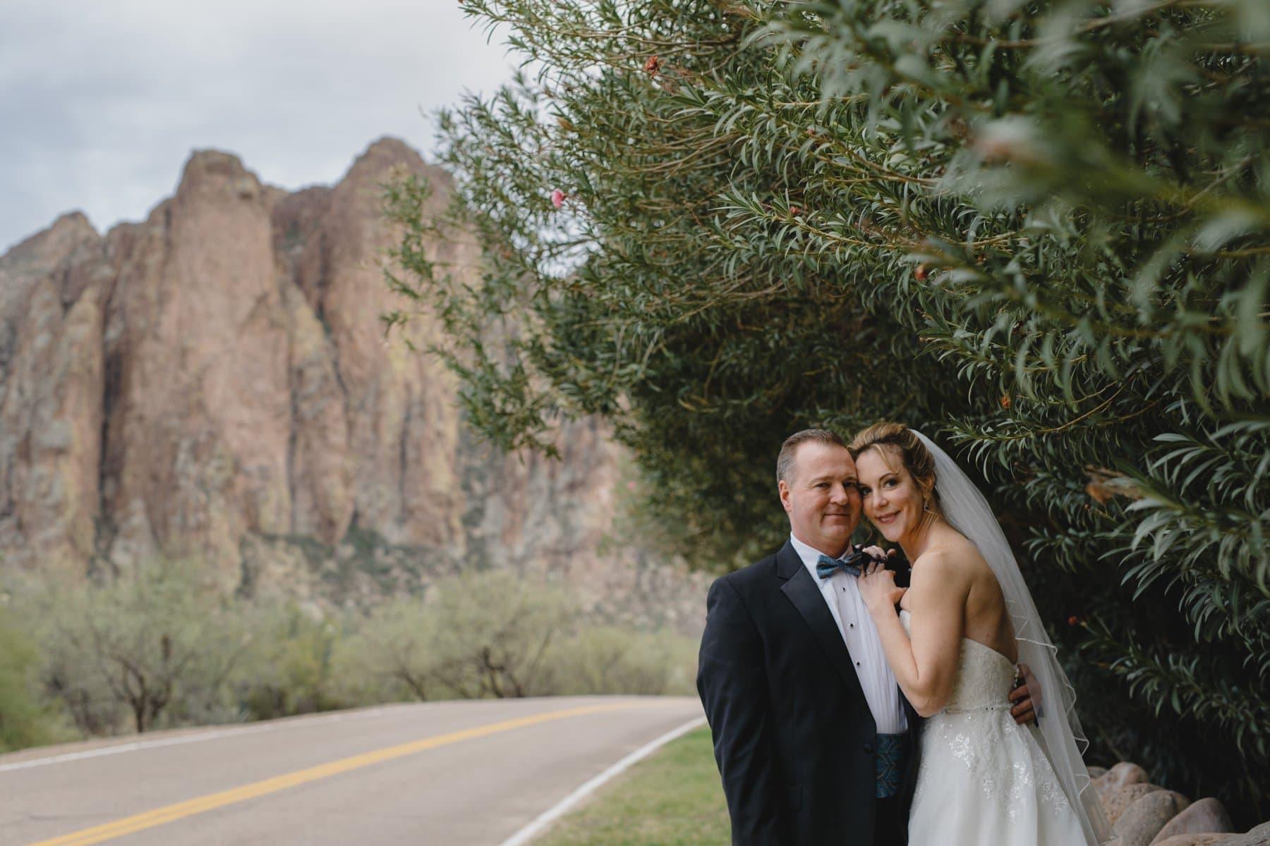natural outdoor wedding photographer in Phoenix