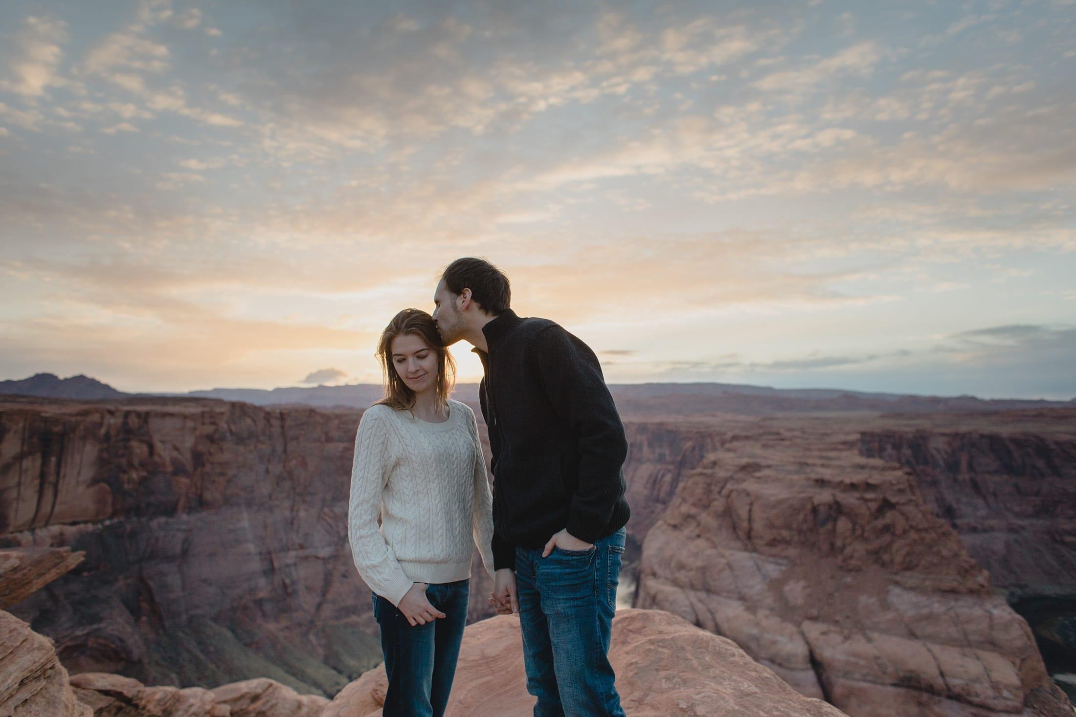 engagement photos at Horseshoe Bend