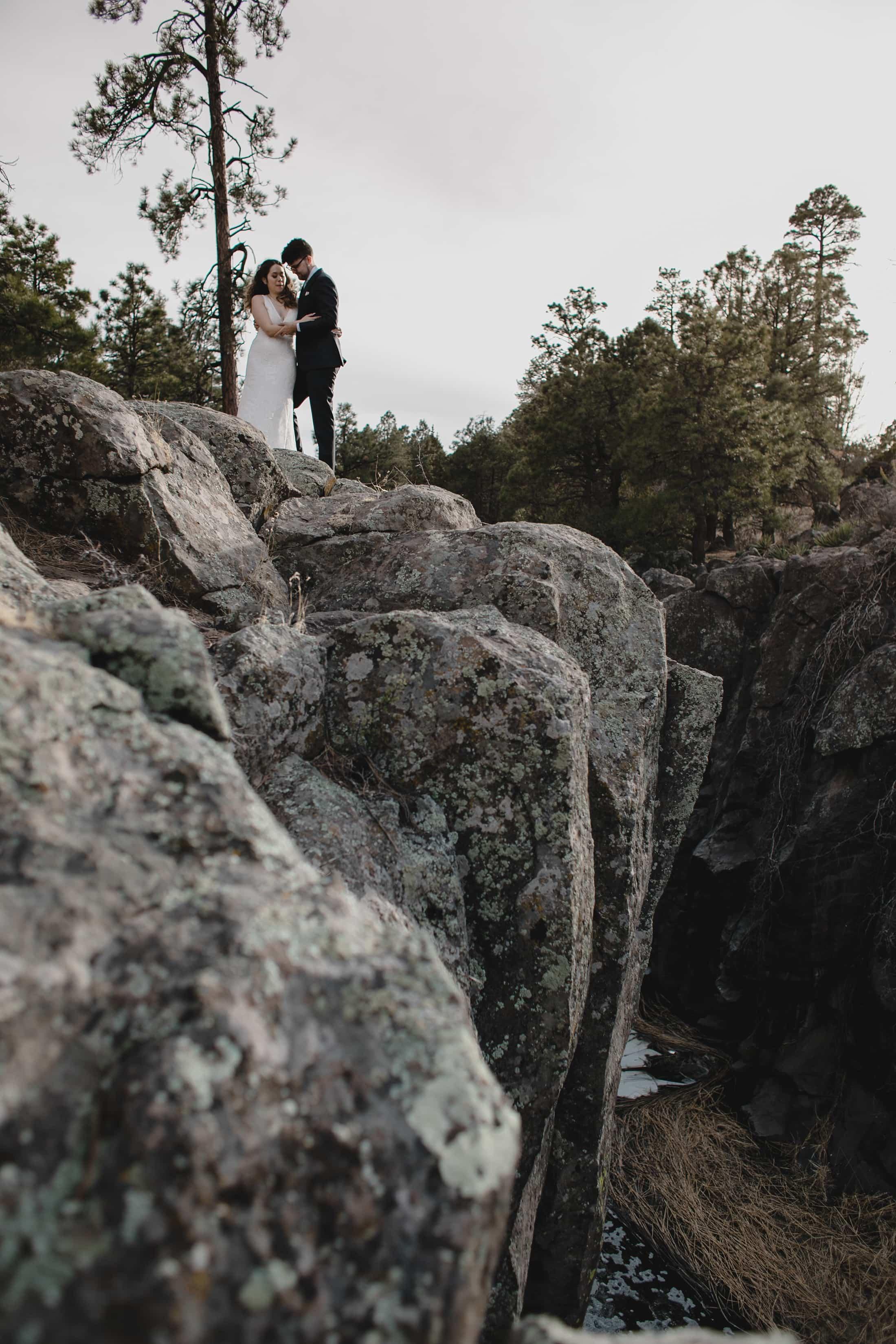 Flagstaff elopement photographer cliffs